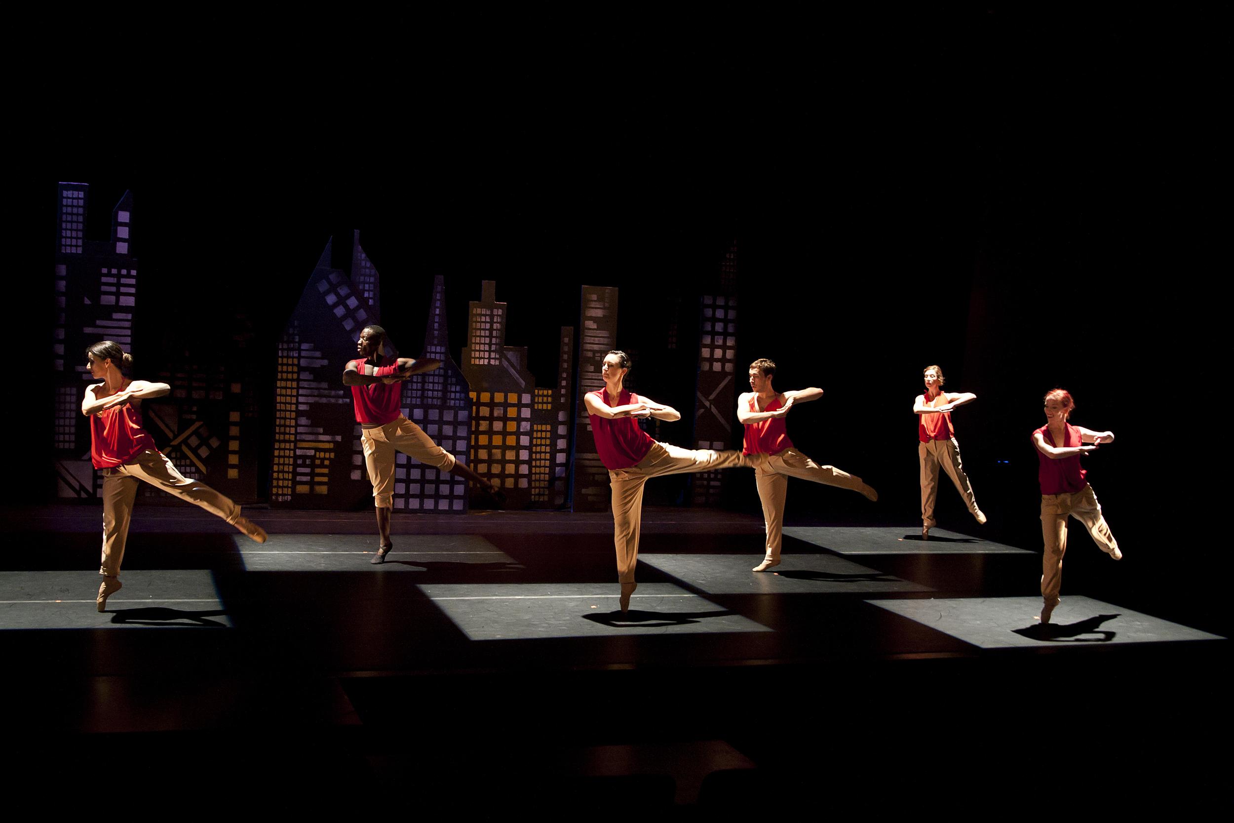 Xibipíio, Choreography by Gina Hanchey.  Photo by Ashlee Eakins