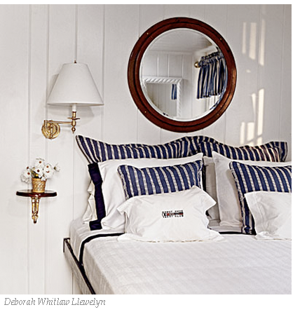 blue-and-white-coastal-bedroom.png