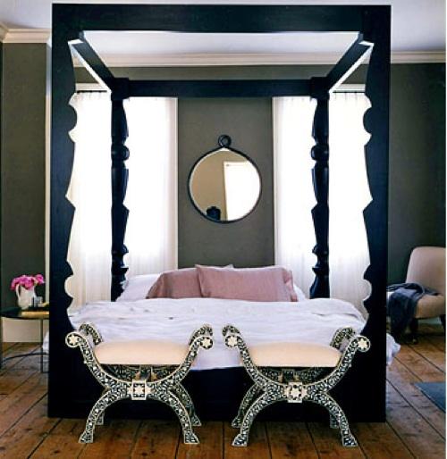 MirrorBedroom.jpg