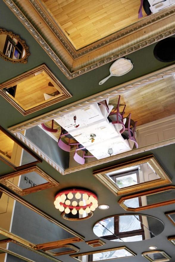 WakuWaku-Restaurant-Interior-Design-mirror.jpg