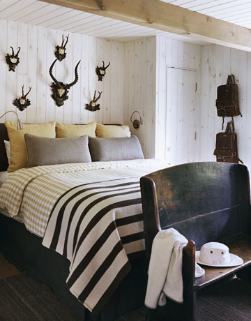 tague-striped-bed-antlers-0211-de.jpg
