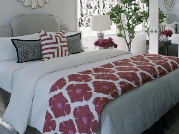 erinn-valencich-master-bedroom_lg.jpg