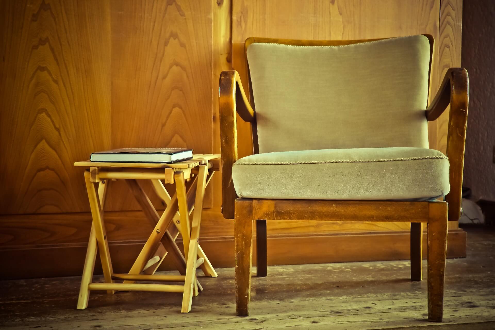 donate-old-furniture
