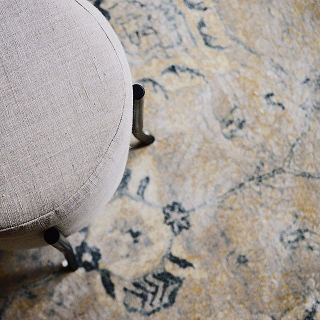 There are soooo many amazing rugs out there these days that look $$$$ but are actually incredibly affordable! This viscose rug from Jaipur Rugs is Family-Friendly and does not break the bank. And did I mention gorgeous?!⠀⠀⠀⠀⠀⠀⠀⠀⠀ .⠀⠀⠀⠀⠀⠀⠀⠀⠀ .⠀⠀⠀⠀⠀⠀⠀⠀⠀ #interiordesign #houstoninteriordesigner⠀⠀⠀⠀⠀⠀⠀⠀⠀ #designhouston #interiordesignsofinsta #interiordesignideas #instagood #homedecor #interiors #decor #interiorforall #designblogger #modern #interiorinspiration #homestyling #homerenovation