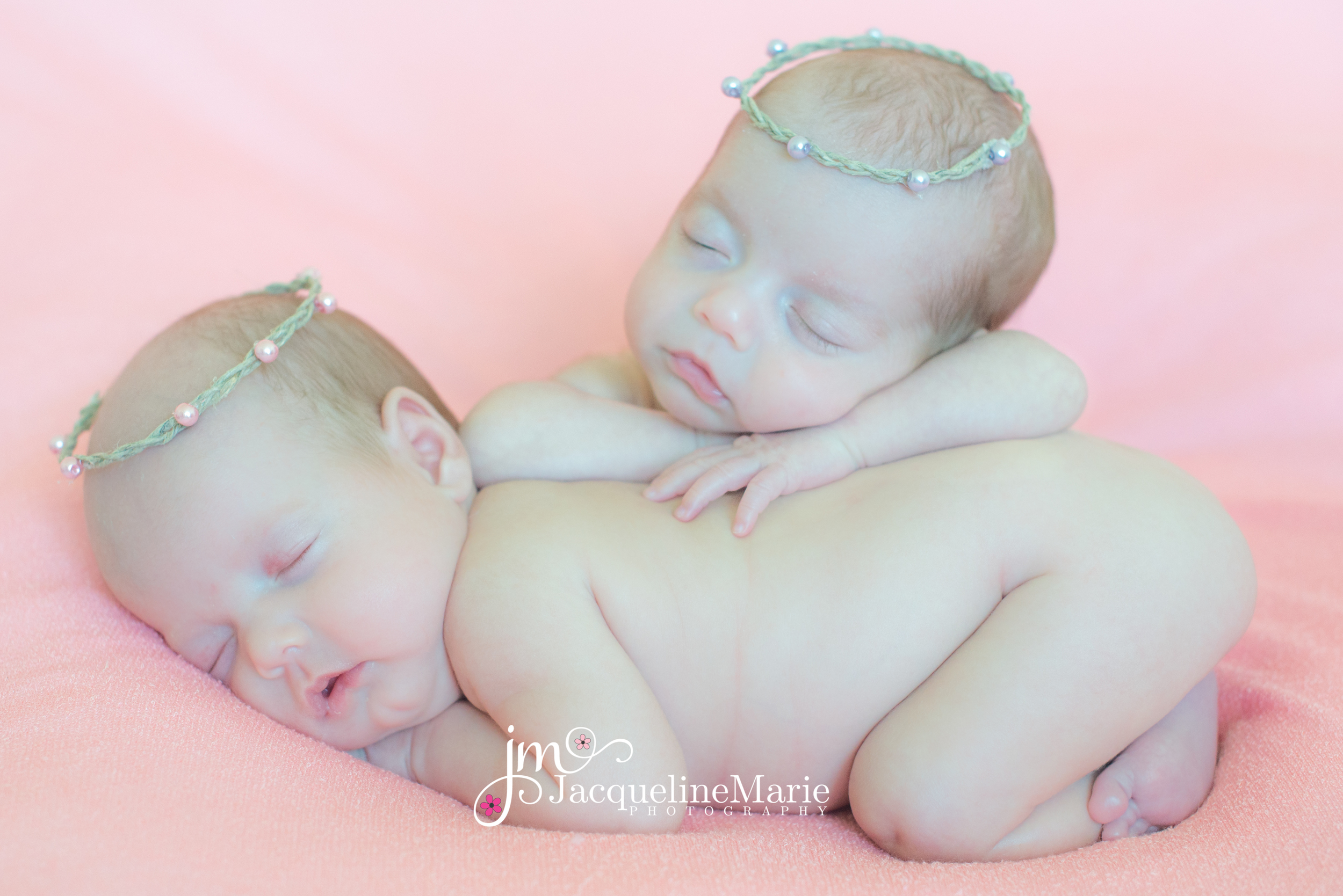 Newborn Twin Photography | Columbus, OH | Jacqueline Marie Photography