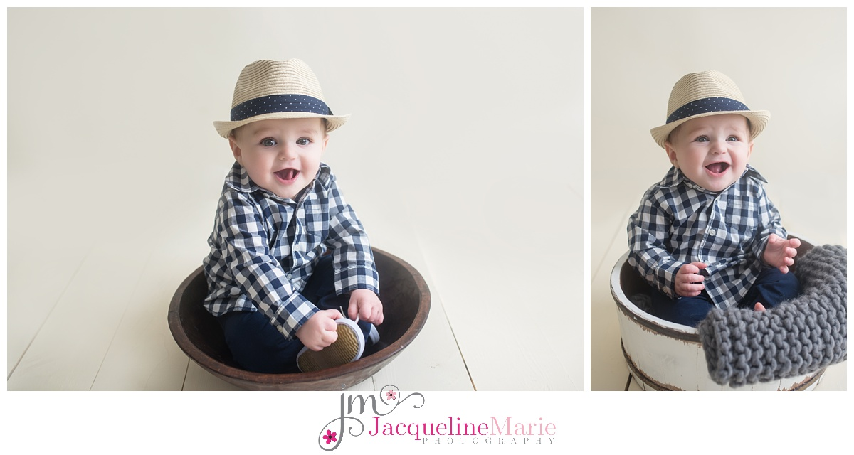 6 month baby boy sitter pose | neutral baby boy image | baby photographer Columbus Ohio | children photography Columbus Ohio | Jacqueline Marie Photography LLC