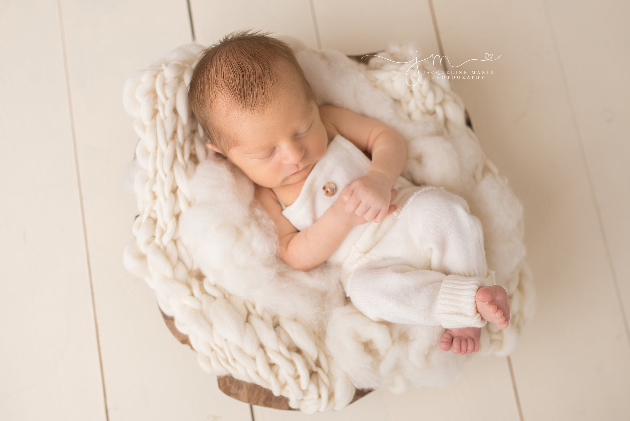 Layers of cream and wood bowl featured by Columbus Ohio newborn photographer for newborn pictures