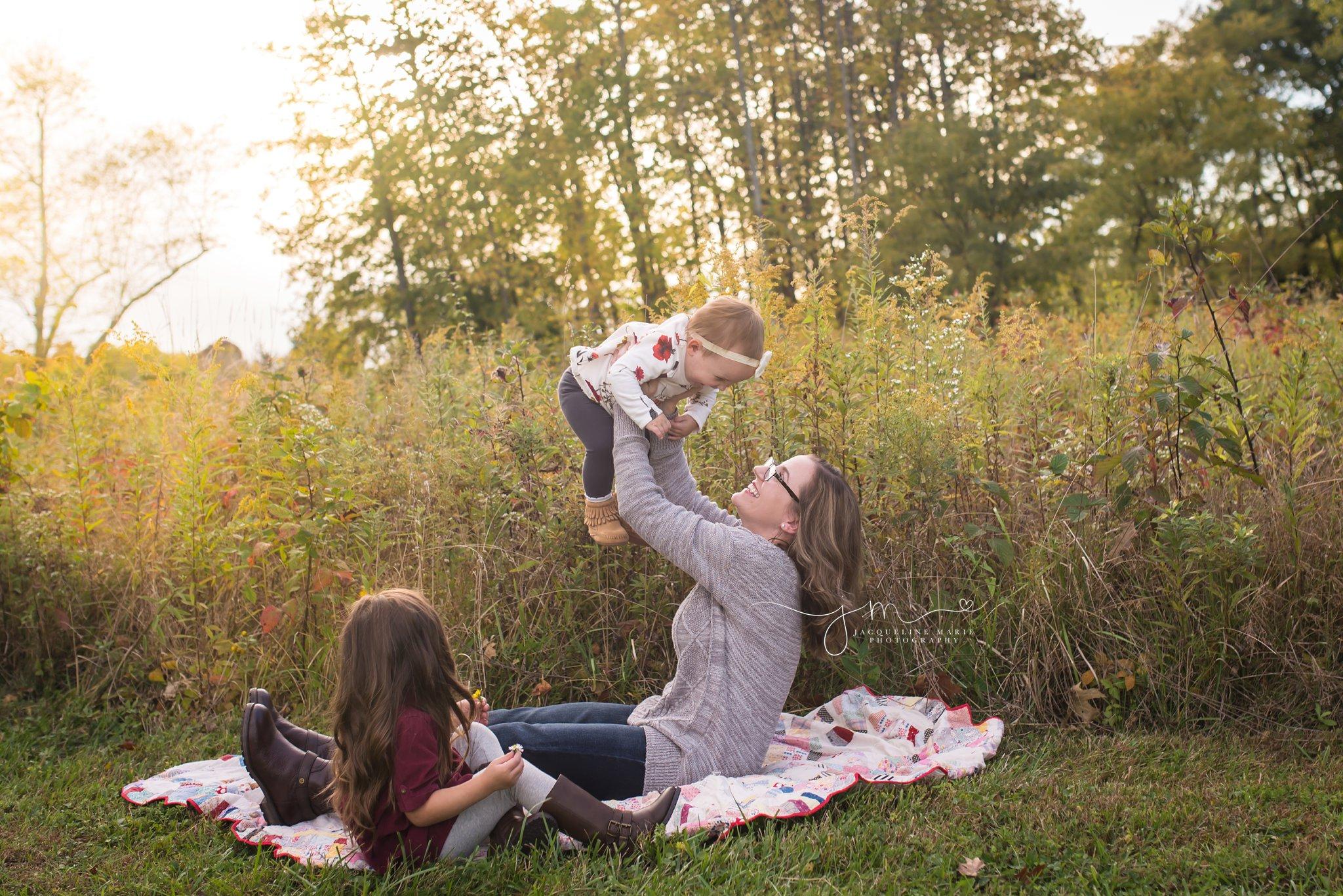Columbus Ohio family photographer, Columbus Ohio children photographer, fall family photography, mother and daughter