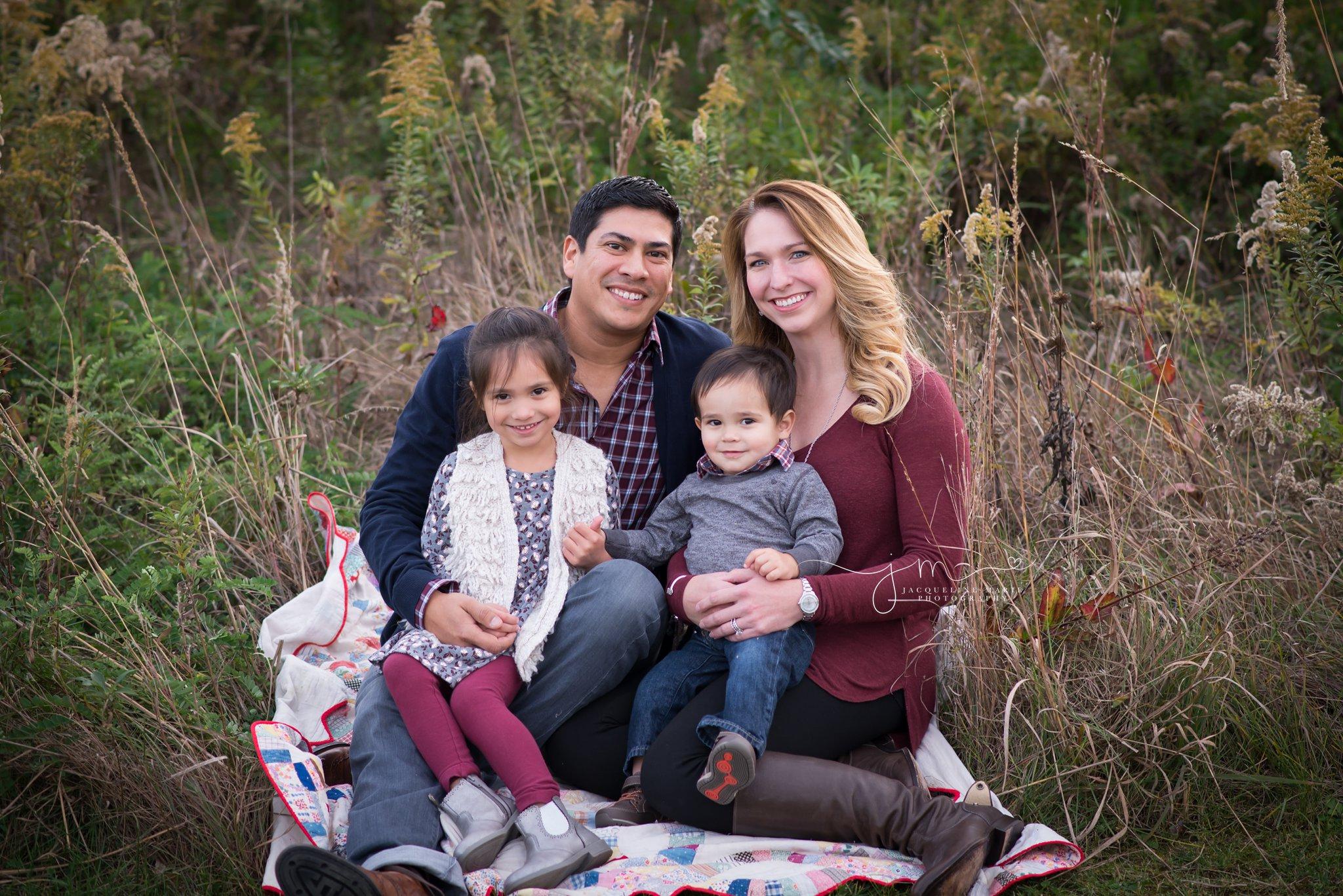 Family photography Columbus Ohio, Columbus Ohio family photographer, outdoor family photography, fall family photos, family of four pose