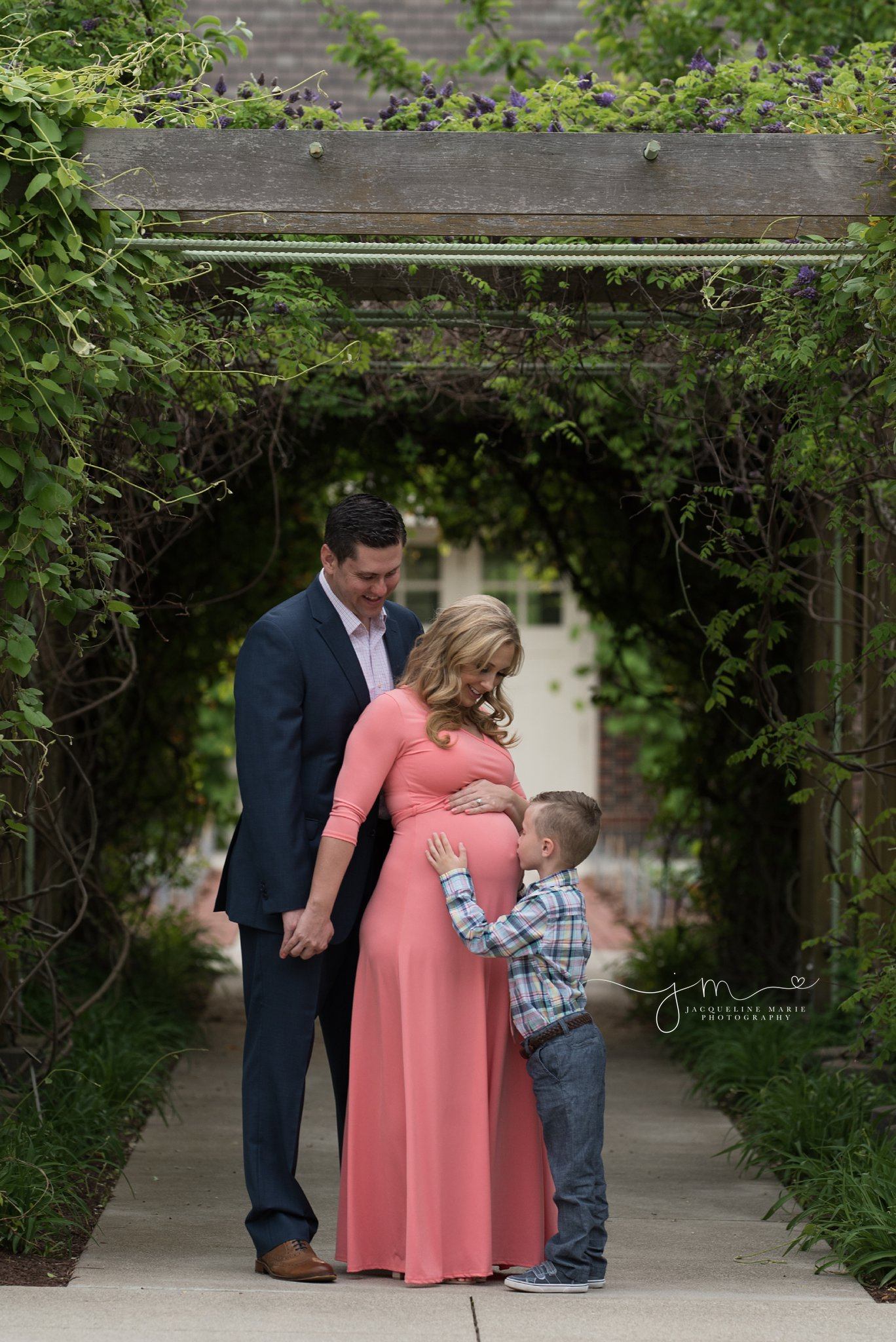 Columbus ohio family anxiously awaits newborn baby boy for maternity pictures by jacqueline marie photography