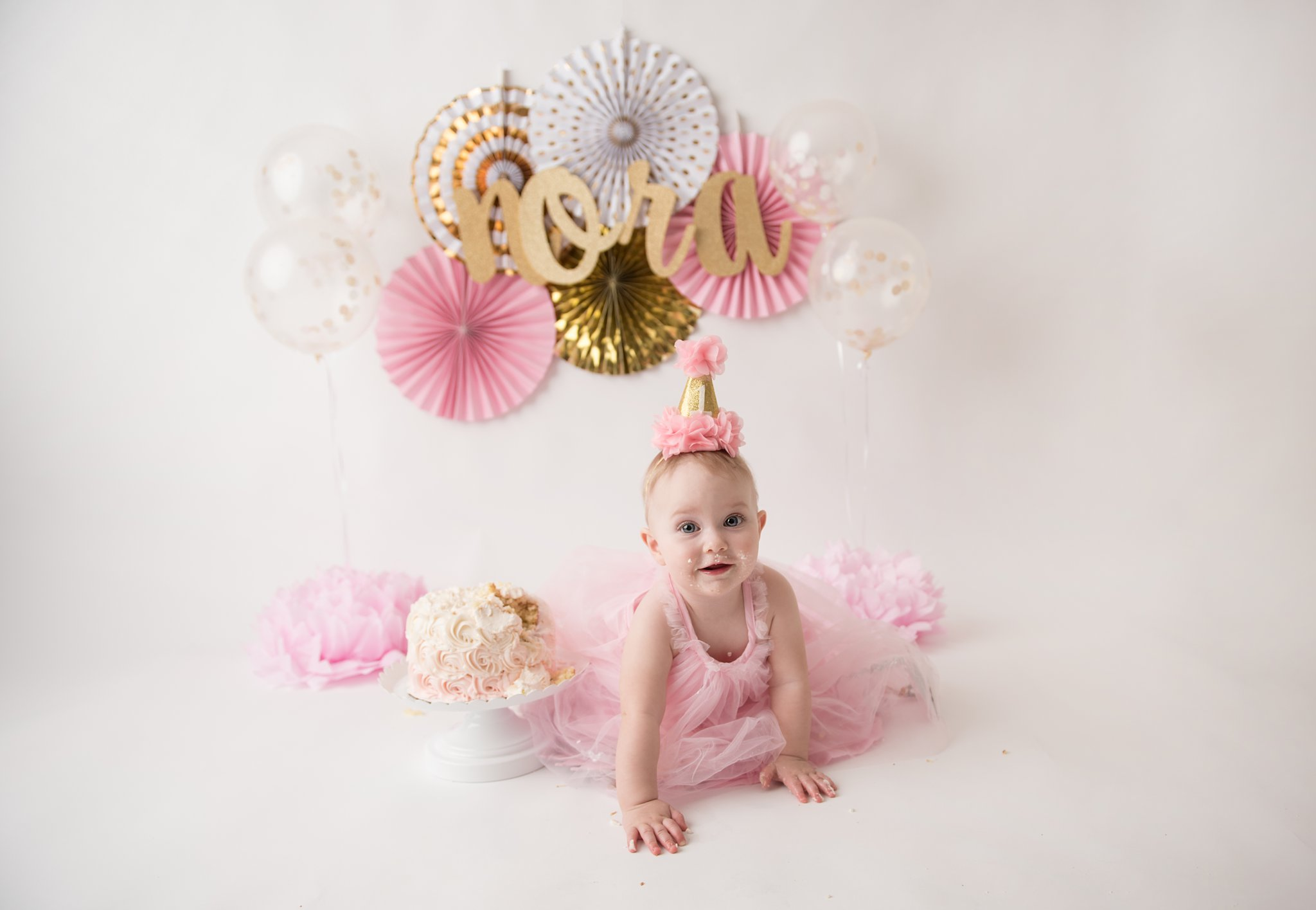 firstbirthdayphotographer-columbusohio-jacquelinemariephotography-1.jpg