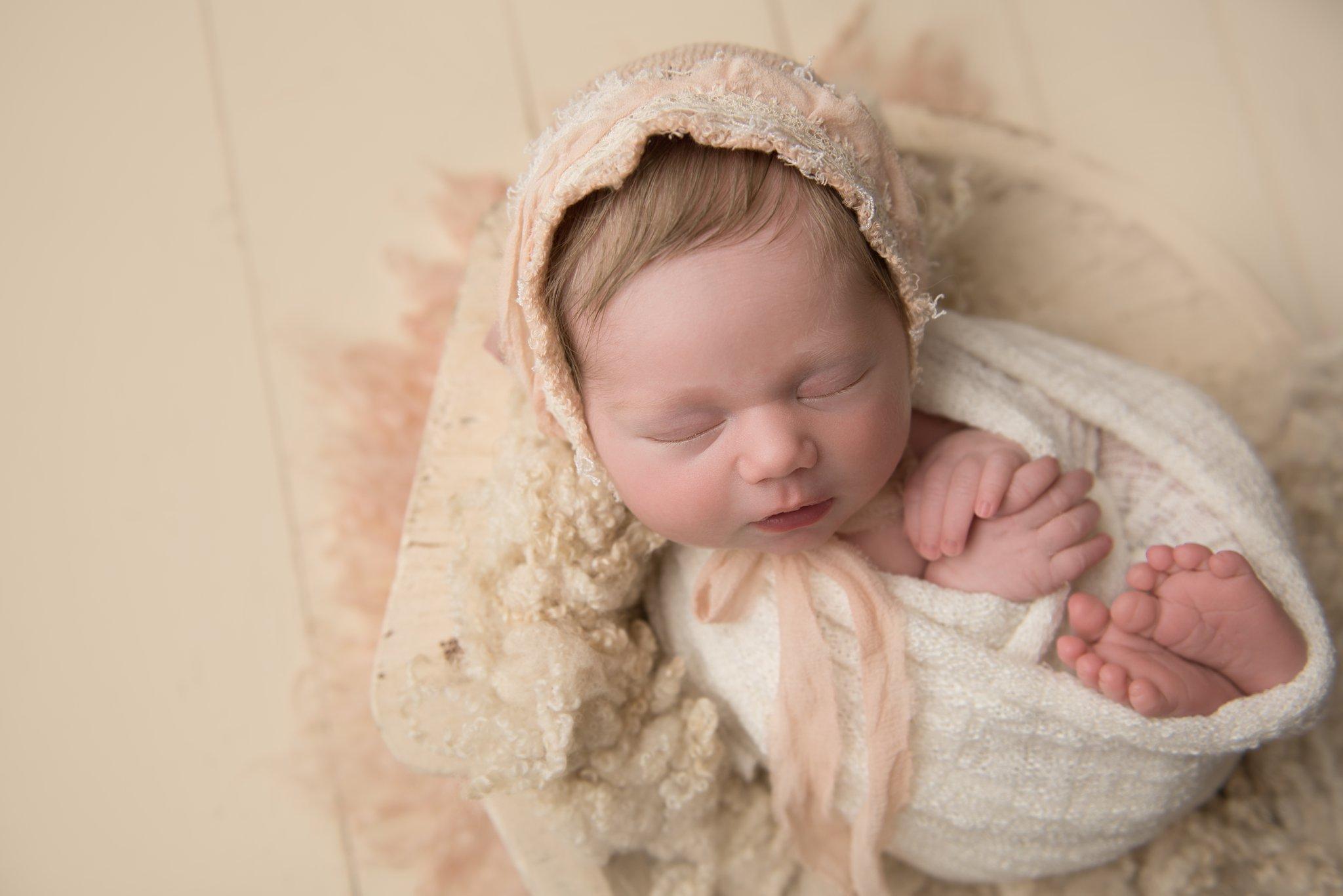 newborn photography gahanna ohio