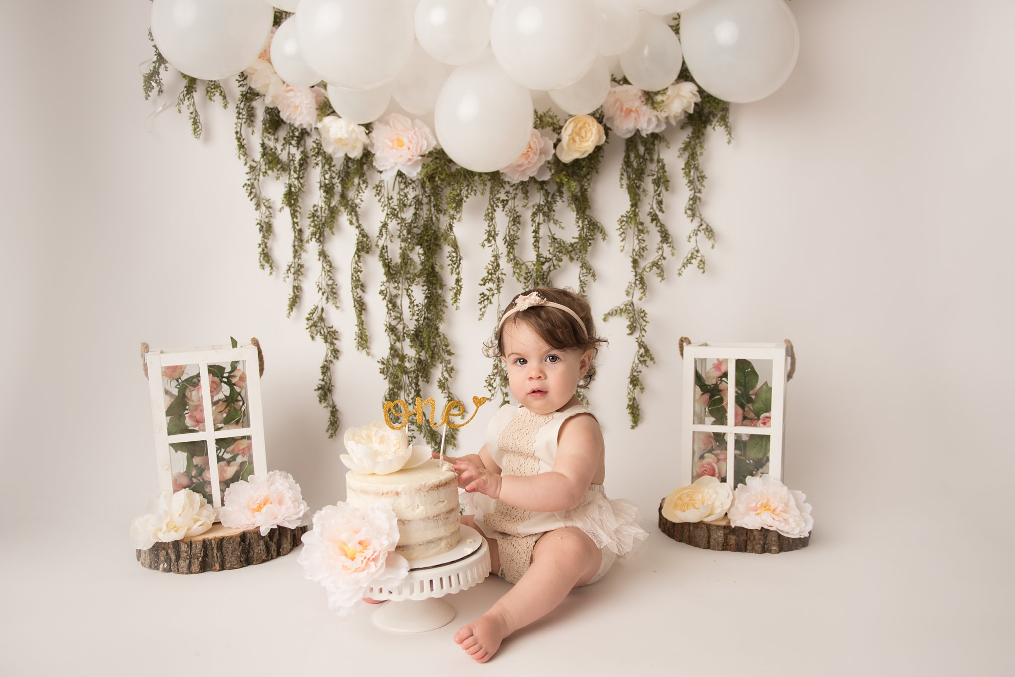 firstbirthdayphotographer-columbusohio-jacquelinemariephotography_0186.jpg