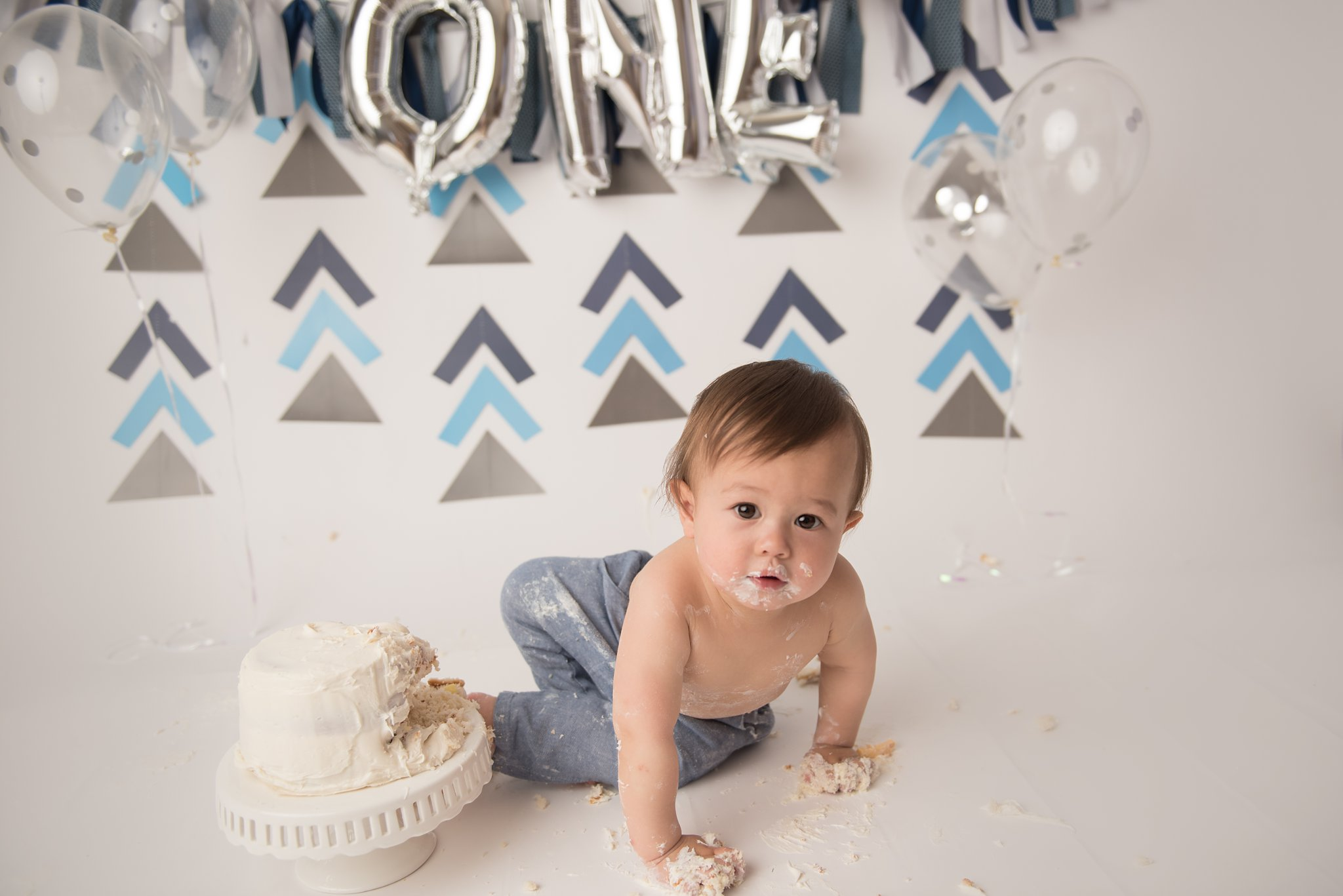 firstbirthdayphotographer-columbusohio-jacquelinemariephotography_0185.jpg