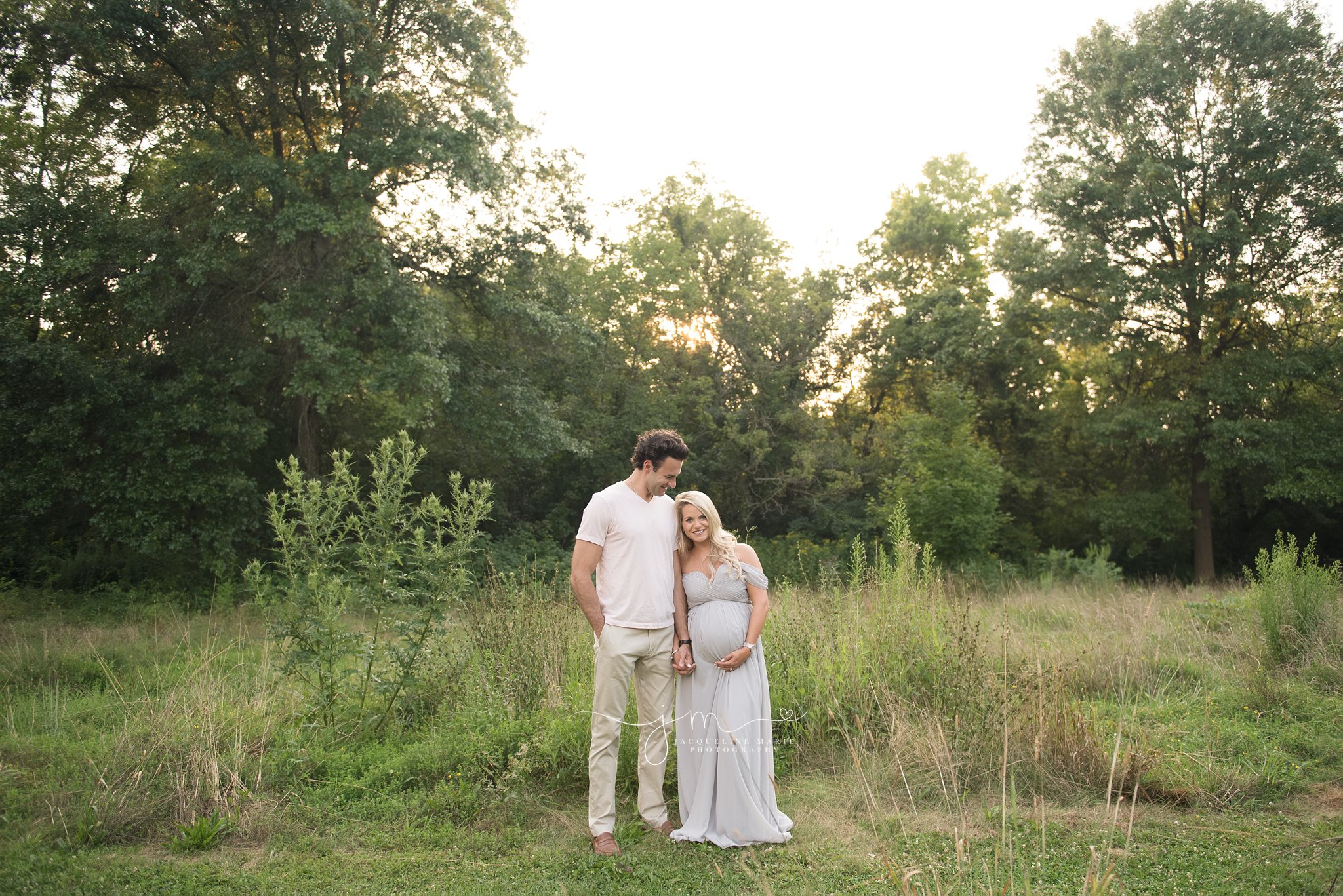 columbus ohio maternity photographer photographs couple expecting their first baby at sunset