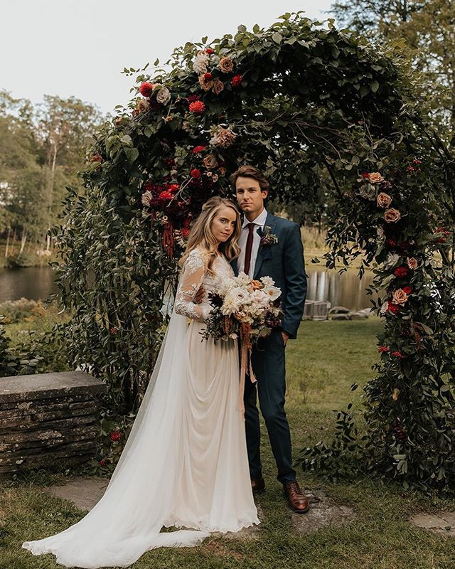 Now is the time of year when my inbox gets filled with photographs from this past season's events. It makes me feel overwhelmingly grateful for the opportunities I get to have, and for my amazing clients + teams who allow me to be creative in celebrating love and beauty through magical flowers. Thank you, universe. Image via @autumnnicole, planning & styling @alwaysyoursevents. . . . . . #weddingdayready #weddingstylist #familywedding #loveislove #teamworkmakesthedreamwork #love #engaged #ido #loveintentionally #lcdotcomloves #luxurybride #ohwowyes #weddingdetails #weddingideas #gettingmarried #weddinginspo #soloverly #everydayibt #thedailywedding #gatheringslikethese #partyparty #onestopweddingshop #wemakethingsmagical #weddingstagram #modernwedding