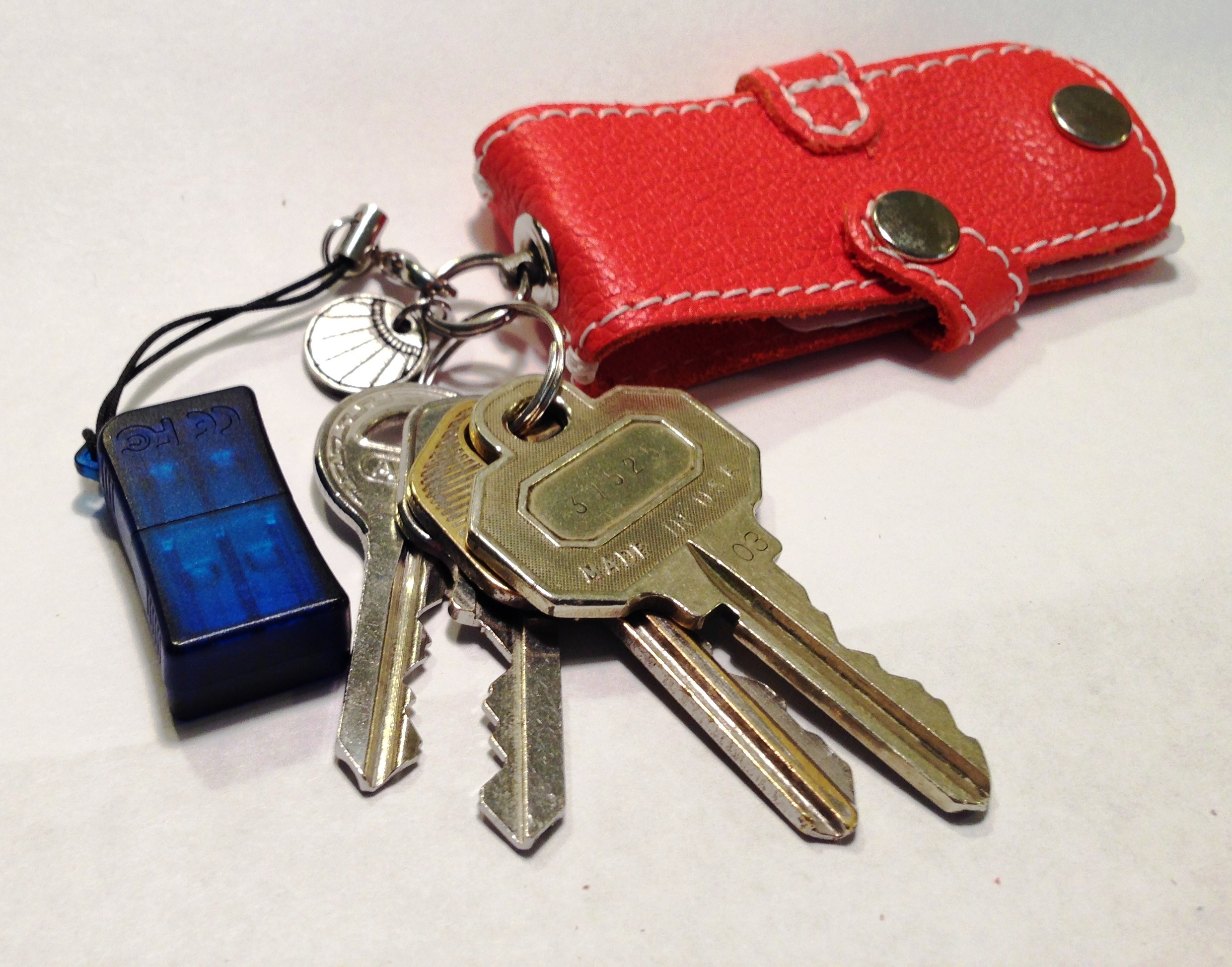 Even has a swivel Key Ring, very clever.