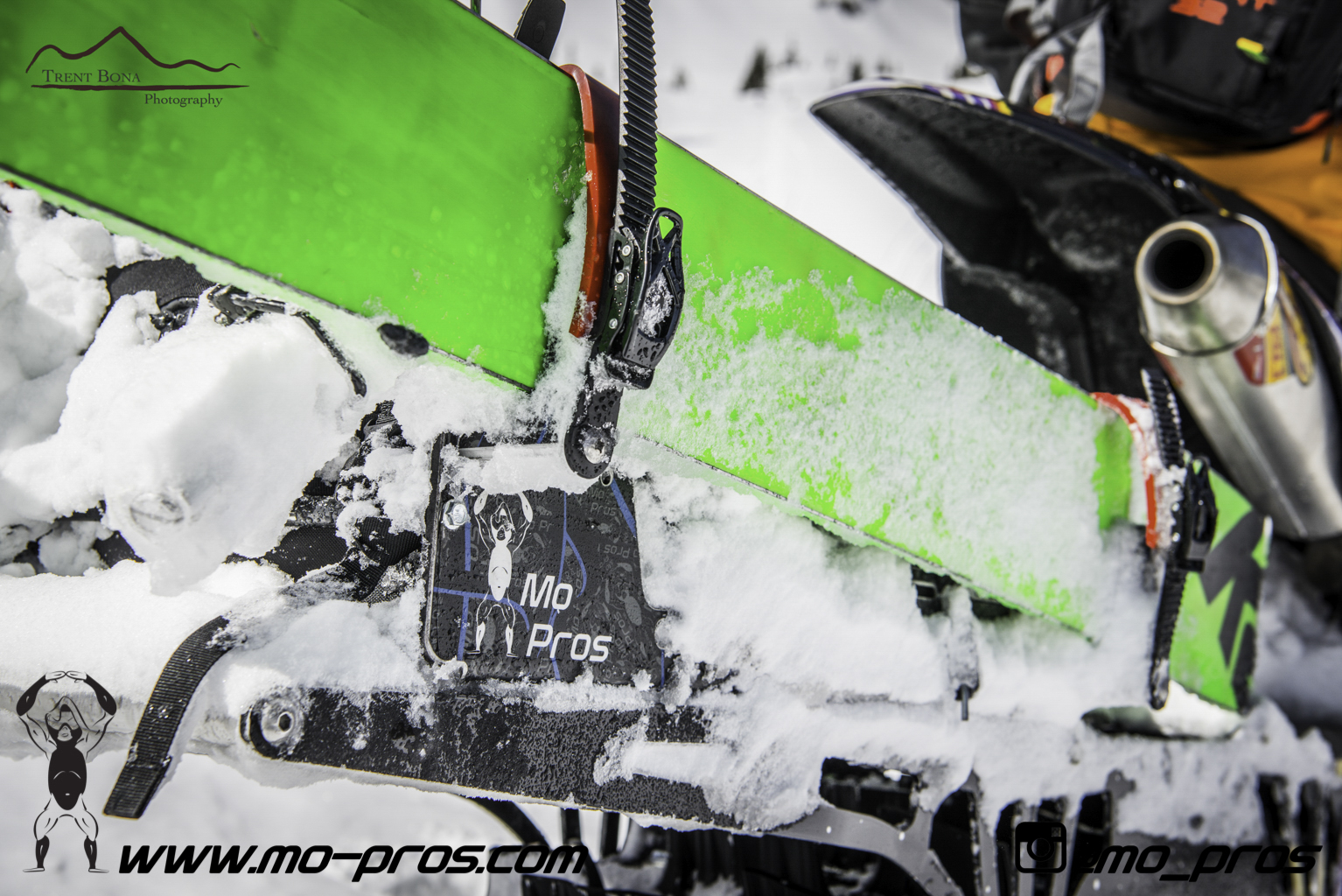 29_Snowbike_Timbersled Rack_Tsaina Rack_CFR rack_Cheetah Factory Racing_Snowboard rack_snowboard_snowmobile bag_Snowmobile_timbersled bag_gas Rack_Gear_Gun Rack_LinQ Snowboard Ski_Ski_Snowboarding_Ti.jpg