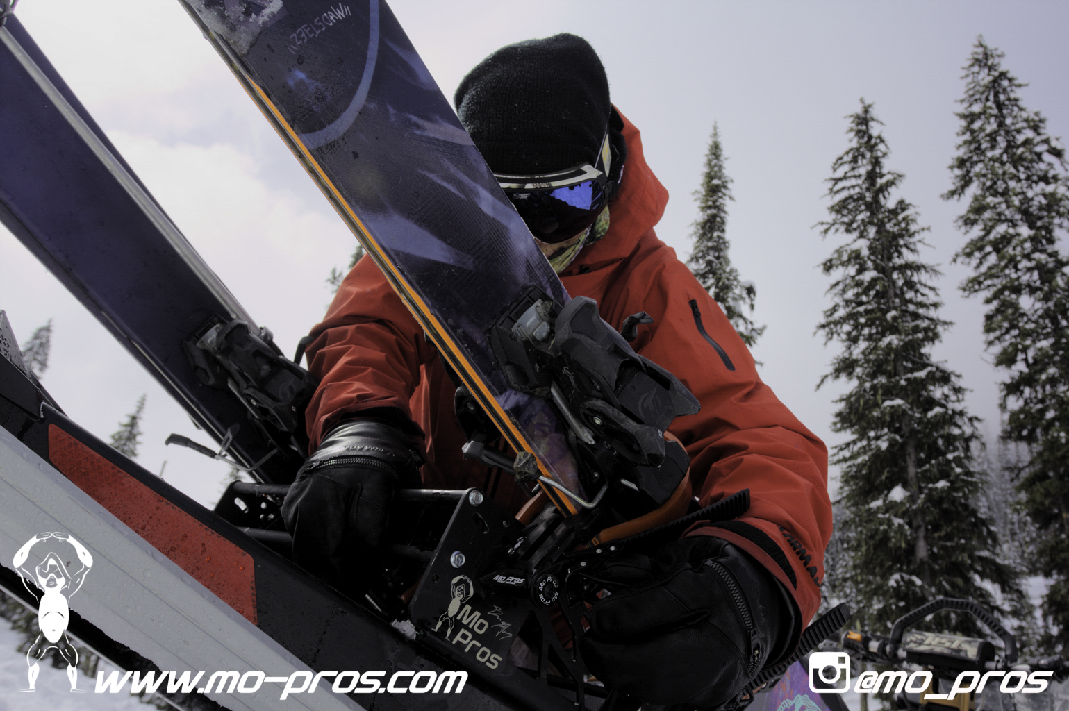 15_Ski_Snowbike_Timbersled Rack_Tsaina Rack_CFR rack_Cheetah Factory Racing_gas Rack_Gear_Gun Rack_LinQ Snowboard Ski_Snowboard rack_snowboard_Snowboarding_snowmobile bag_Snowmobile_timbersled bag_Ti.jpg
