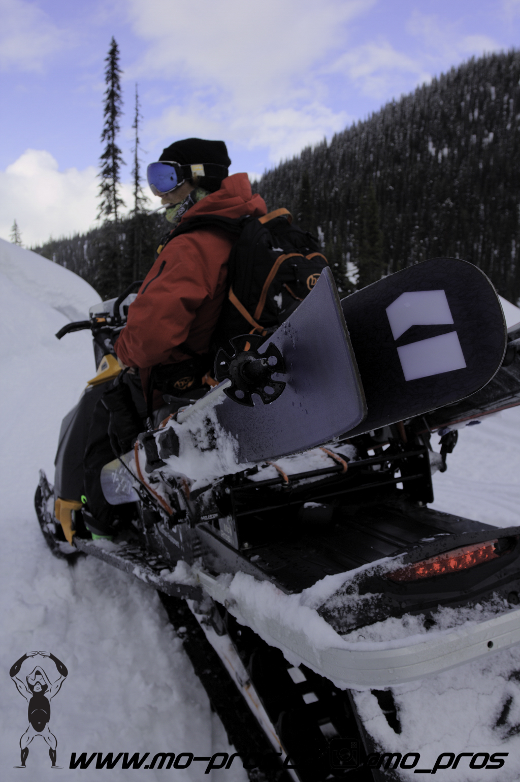 104_Backcountry _Backcountry United_Rack_Ski_Snowbike_Timbersled Rack_Tsaina Rack_CFR rack_Cheetah Factory Racing_gas Rack_Gear_Gun Rack_LinQ Snowboard Ski_Snowboard rack_snowboard_Snowboarding_snowm.jpg