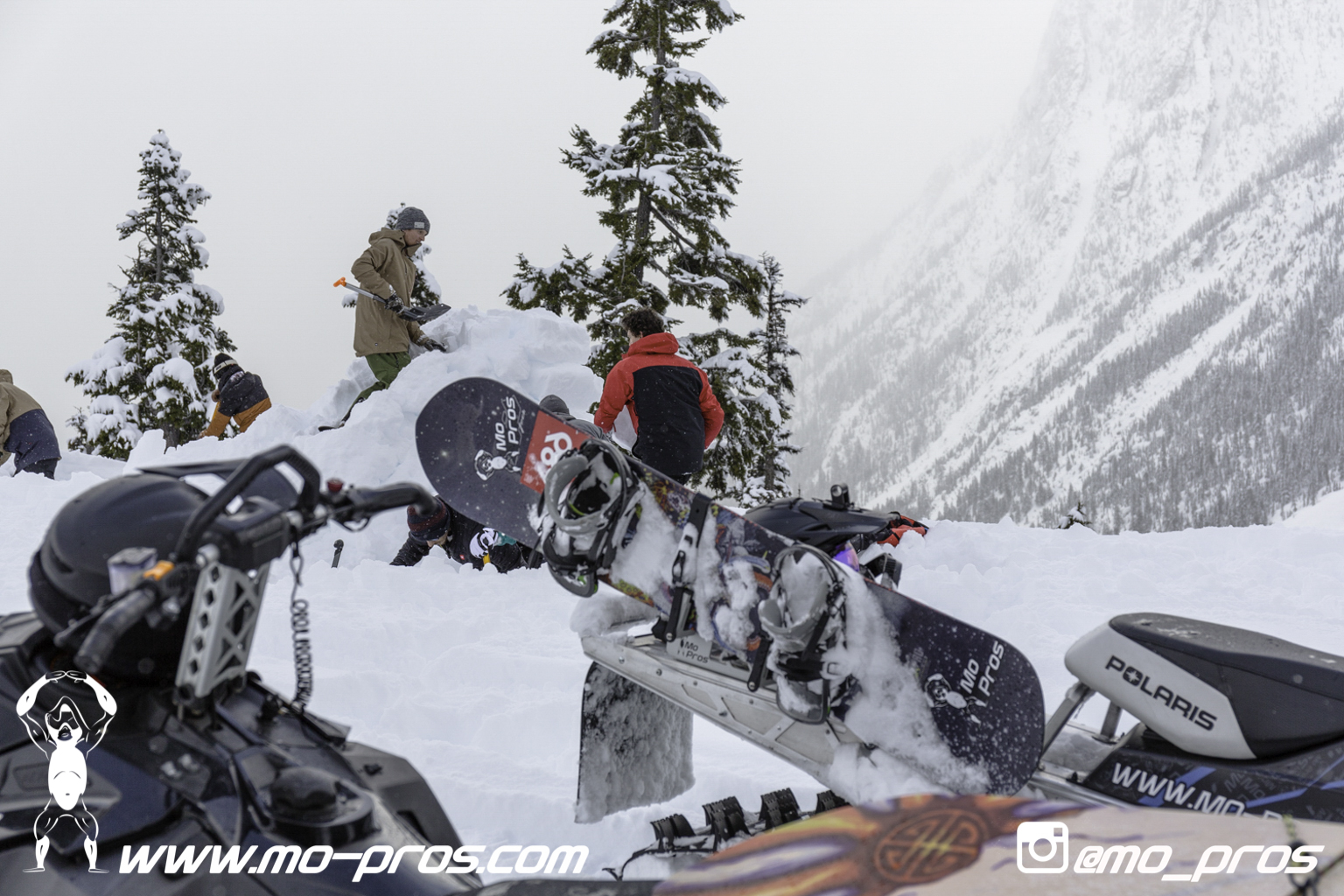 6_gas Rack_Gear_Gun Rack_LinQ Snowboard Ski_Ski_Snowbike_Timbersled Rack_Tsaina Rack_CFR rack_Cheetah Factory Racing_Snowboard rack_snowboard_Snowboarding_snowmobile bag_Snowmobile_timbersled bag_Tim.jpg
