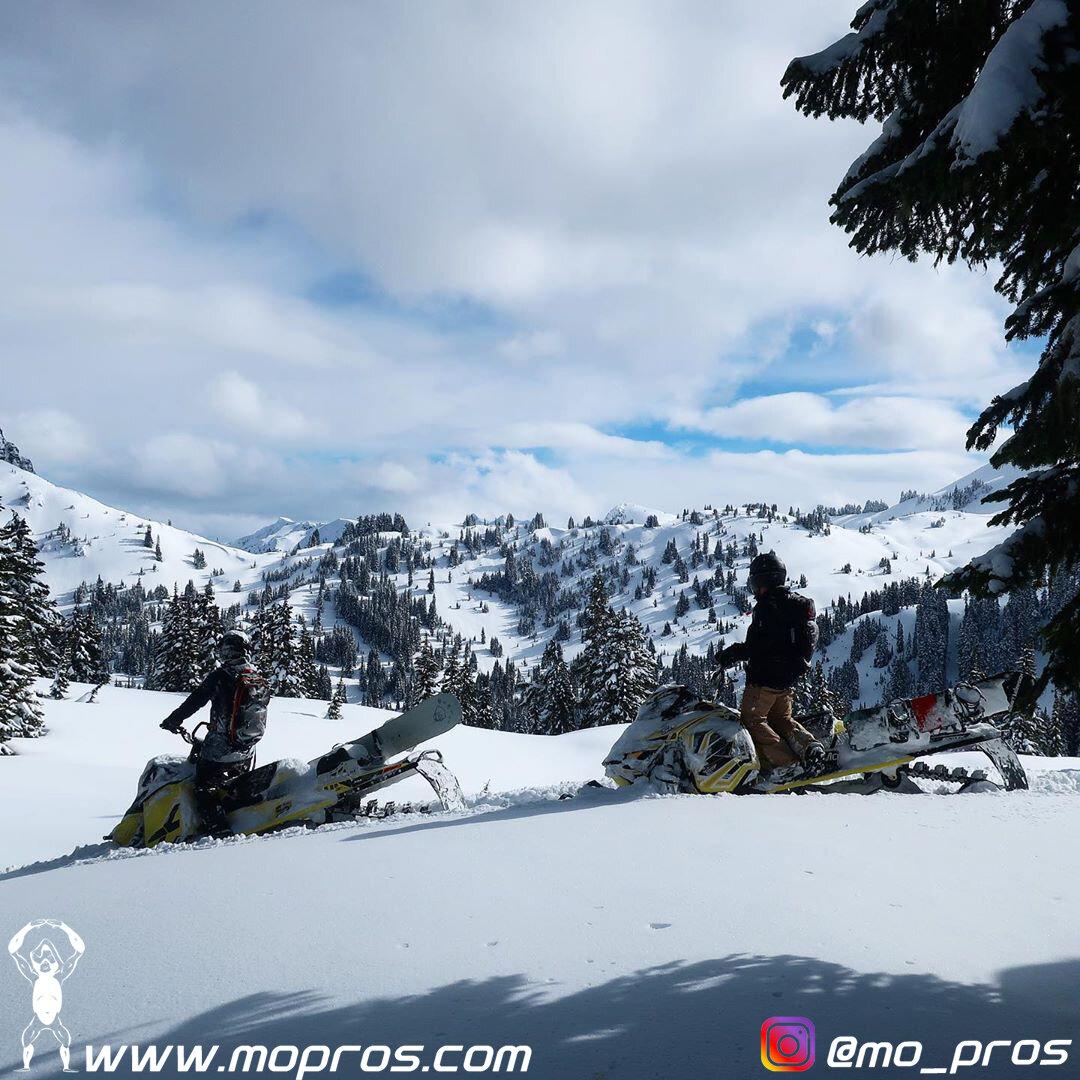 83_MoPros_Backcountry_Snowmobile_Snowboard_Rack.jpg