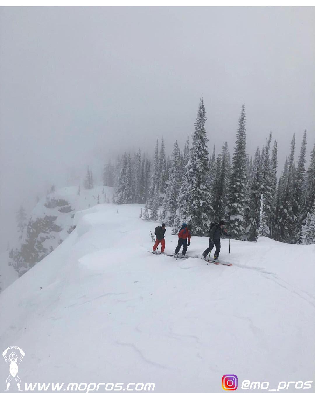 34_MoPros_Backcountry_Cosscountry_ski_skiing.jpg