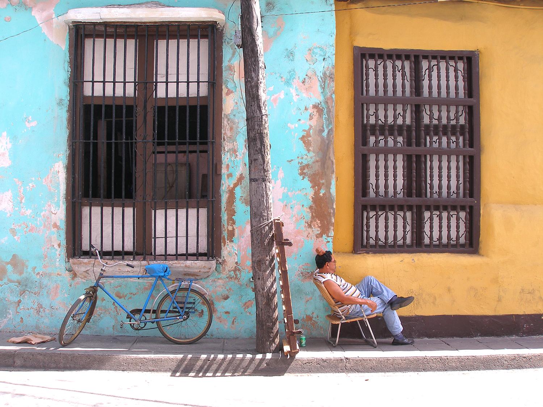 Cuba_Lazy_Sunday_Santiago.jpg