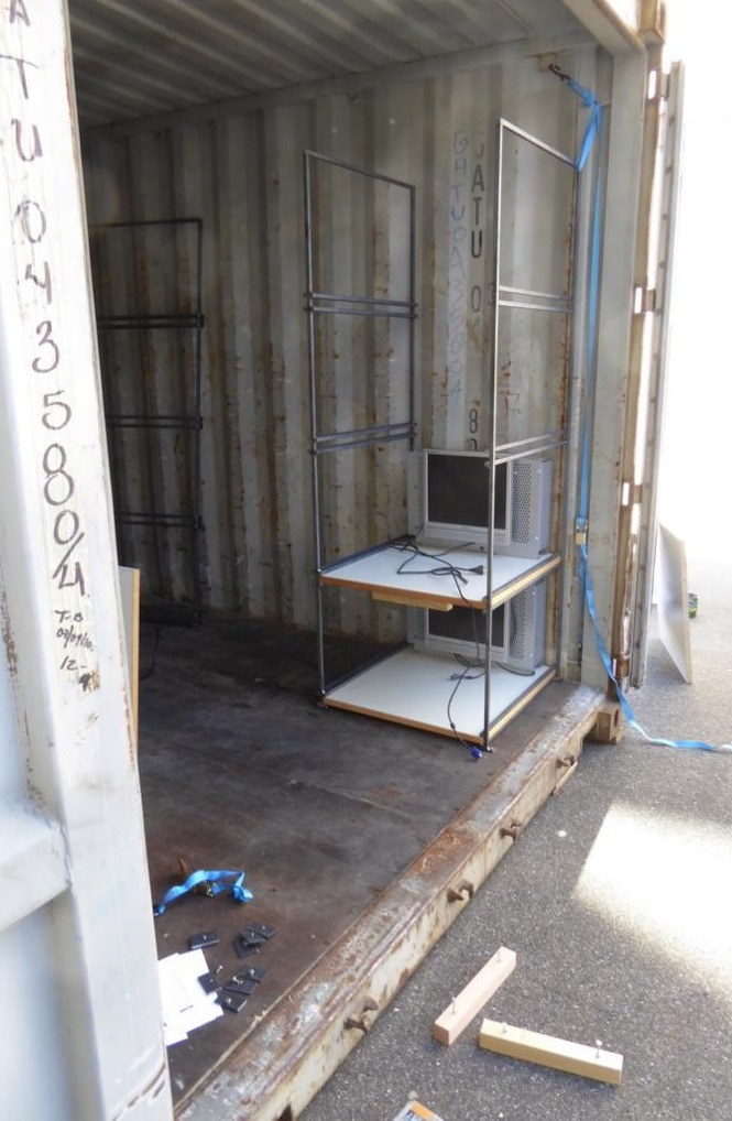 12_Containerausbau.jpg