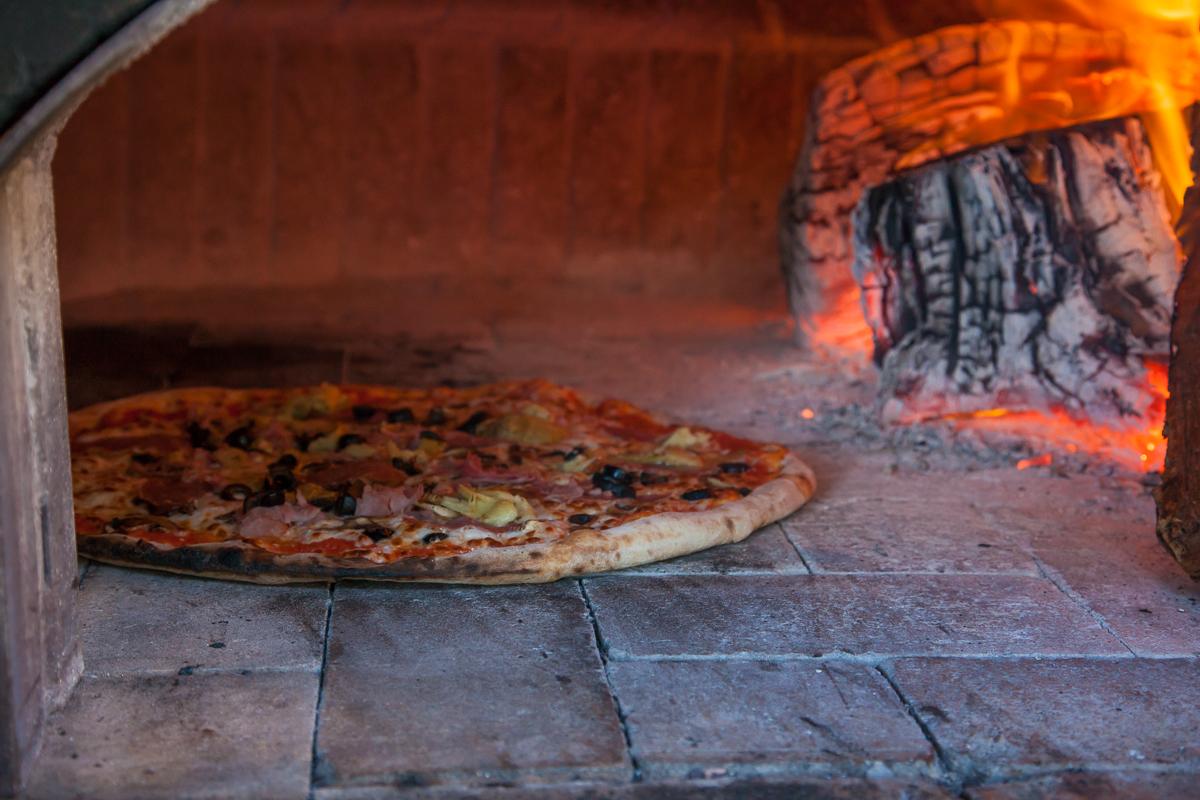 Brick Oven Pizza Waikiki