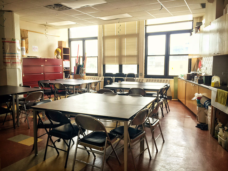 A peek inside one of the classrooms. Image via  @lweatherbee