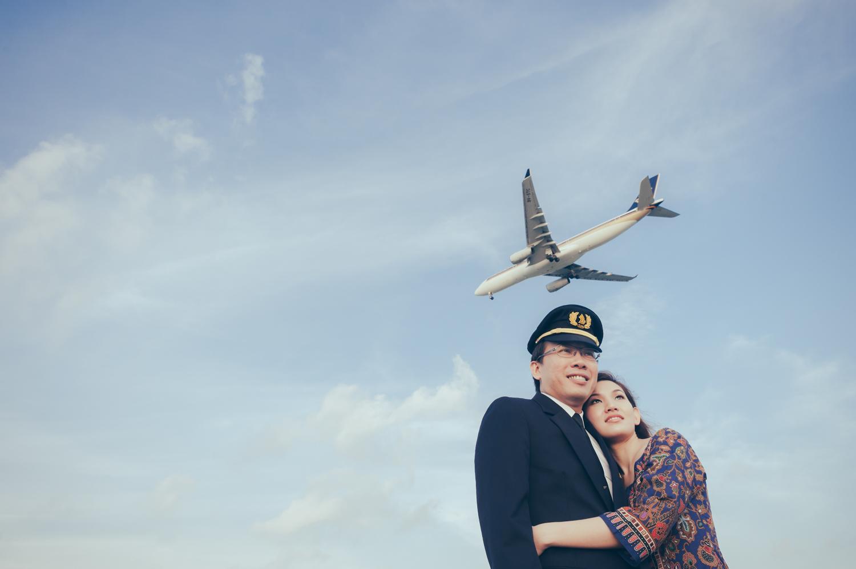 prewedding-photoshoot-changi-aeroplane-singapore-1.jpg