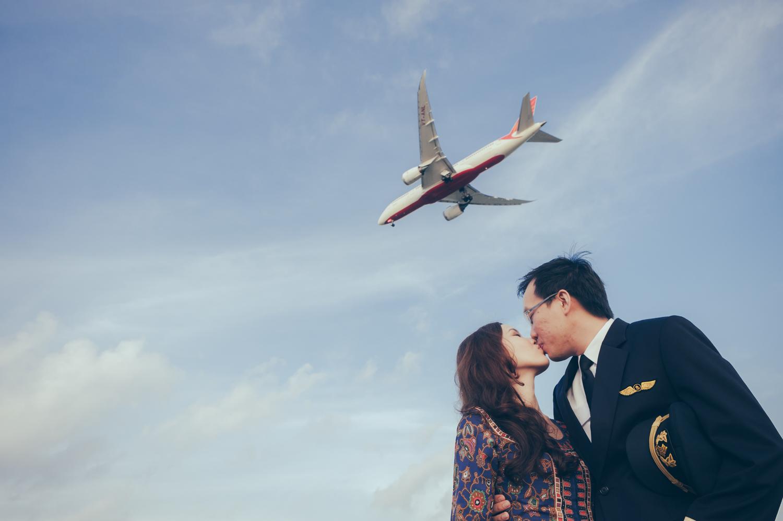 prewedding-photoshoot-changi-aeroplane-singapore-2.jpg