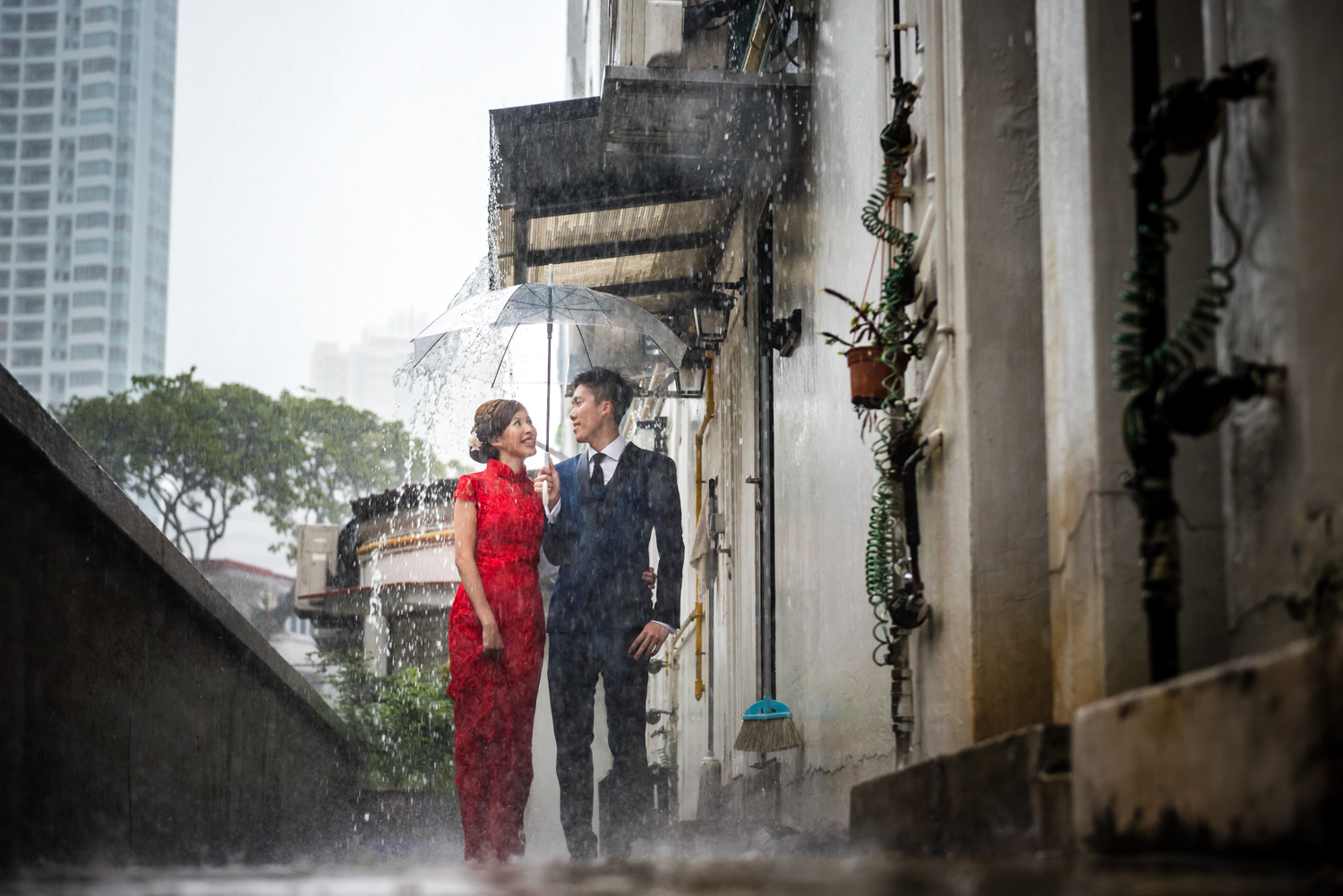 Pre Wedding Shoot Tiong Bahru Rustic Rain Singapore (2 of 3).jpg