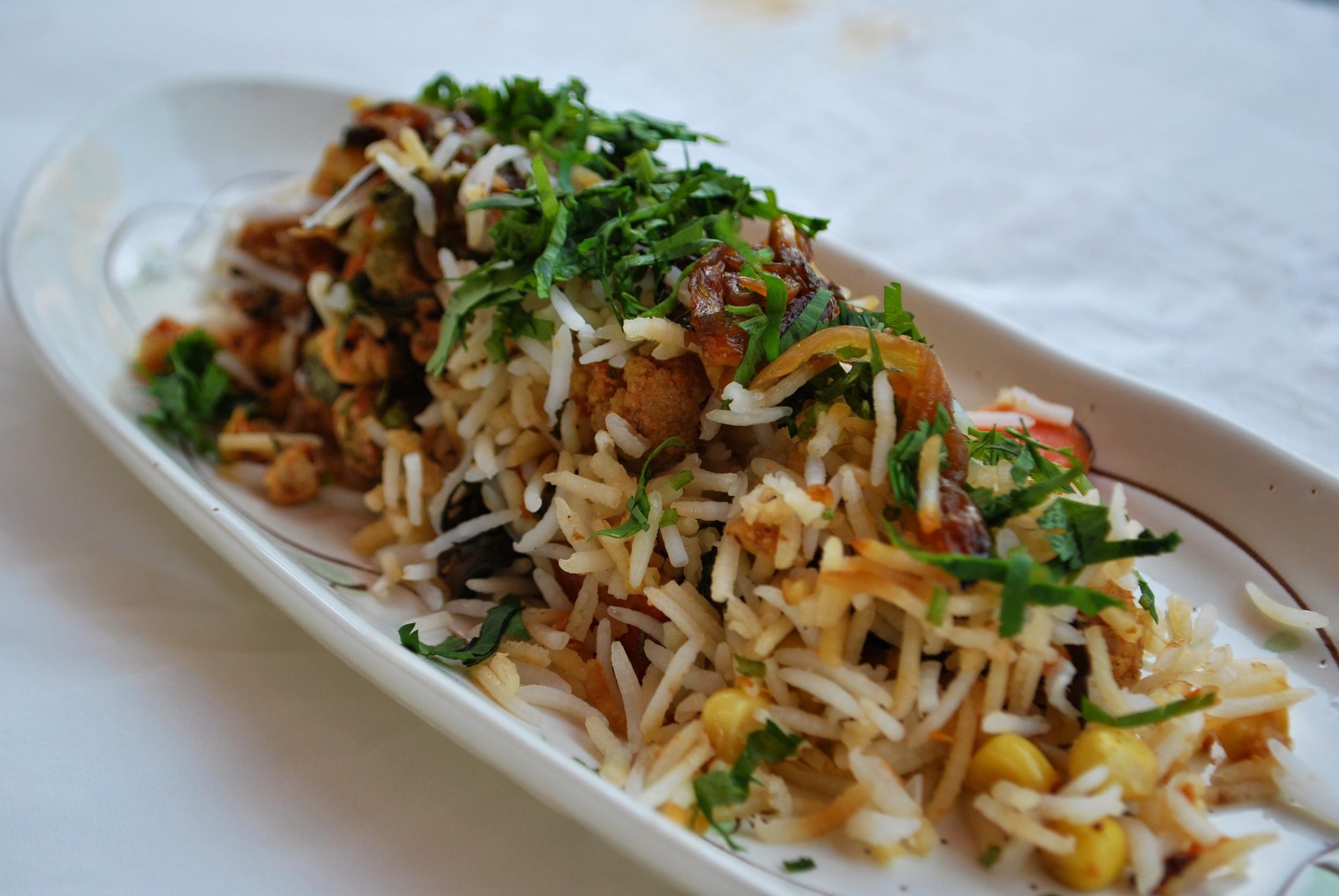 DUM BIRYANI - COOKED TRADITIONAL STYLE - chicken or vegetarian