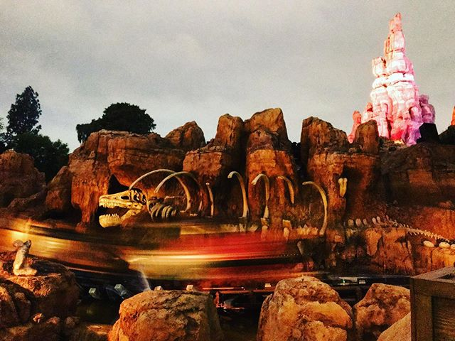 The only way to end the night!!#bigthundermountain #disneyland #disney #disneygram #disneylandresort #disneyparks