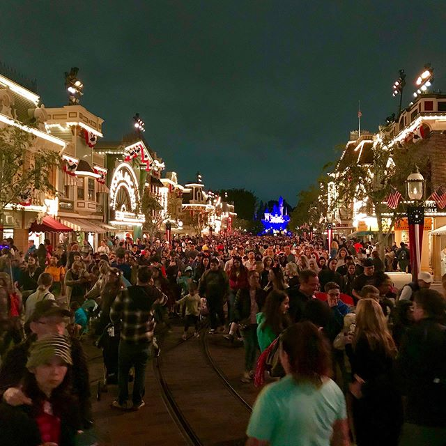 ...the nightly post-firework-exodus #disney #fireworks #disneyfan #disneyland #disneylife #disneyparks