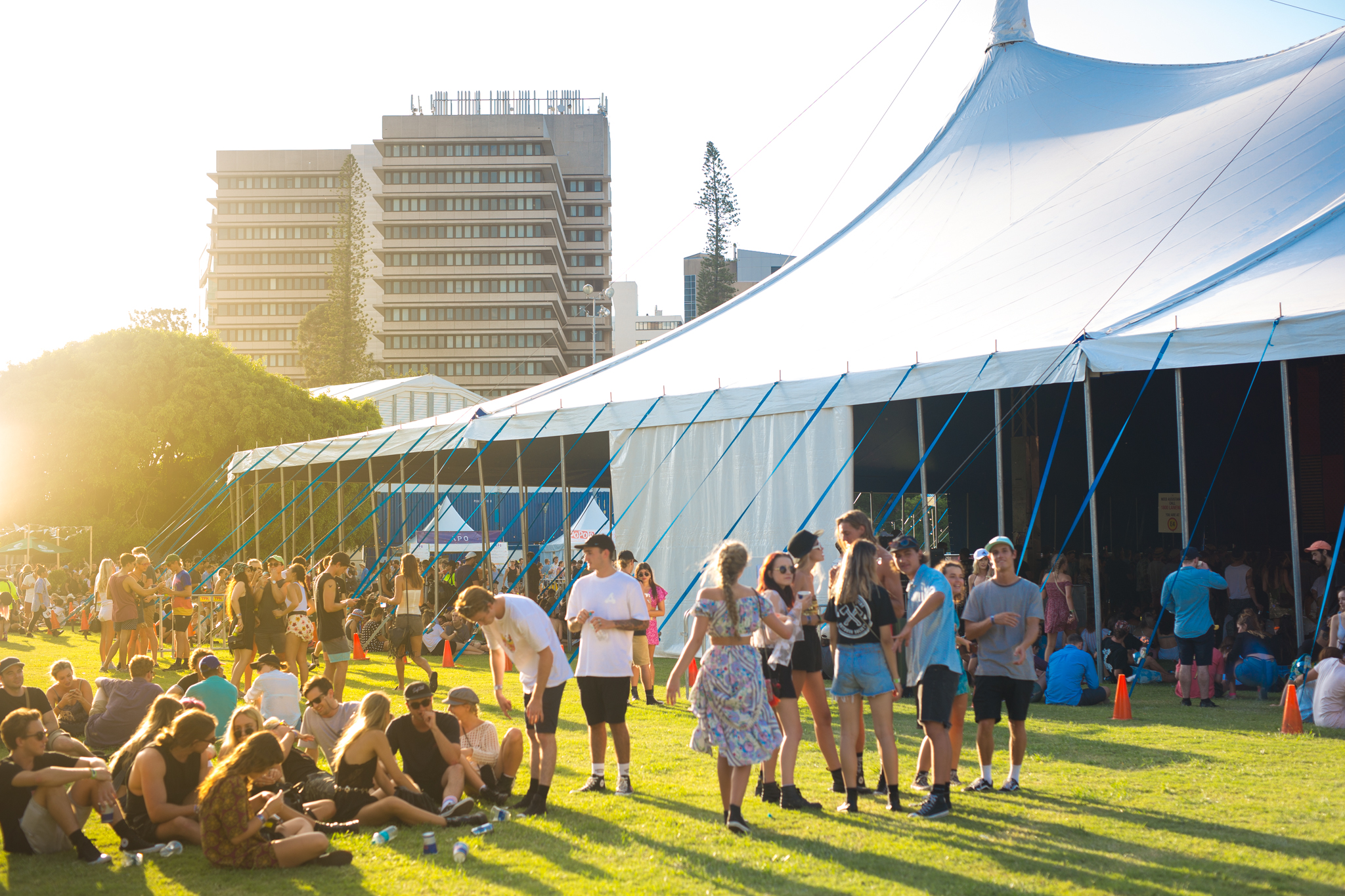 Atmosphere_Laneway-Festival-Brisbane-2017_credit-Bianca-Holderness-37.jpg