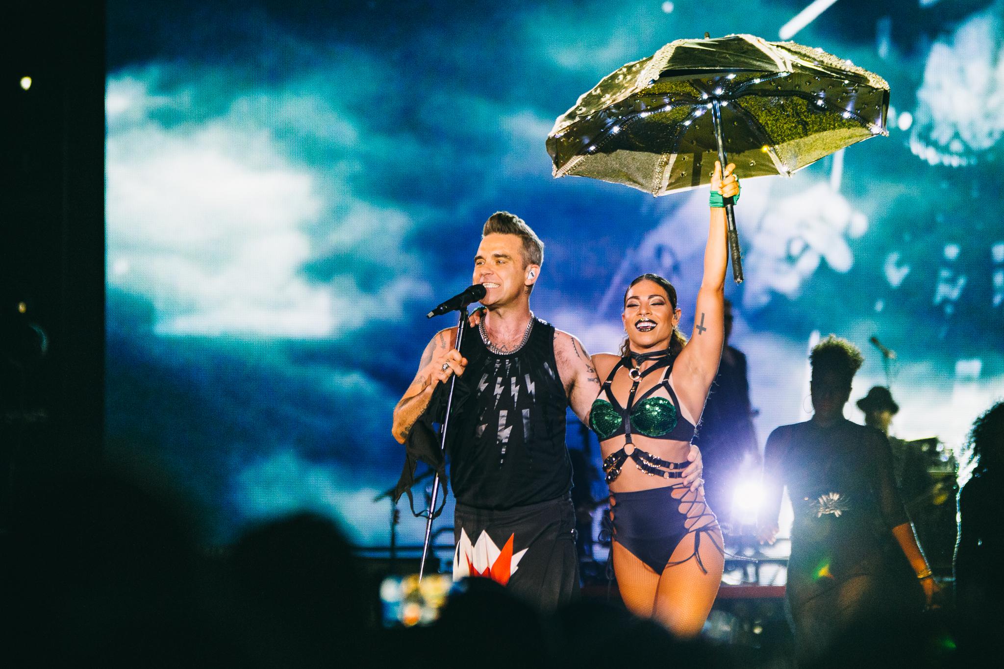 Robbie Williams_Brisbane Entertainment Centre_Bianca Holderness_20-02-30.jpg