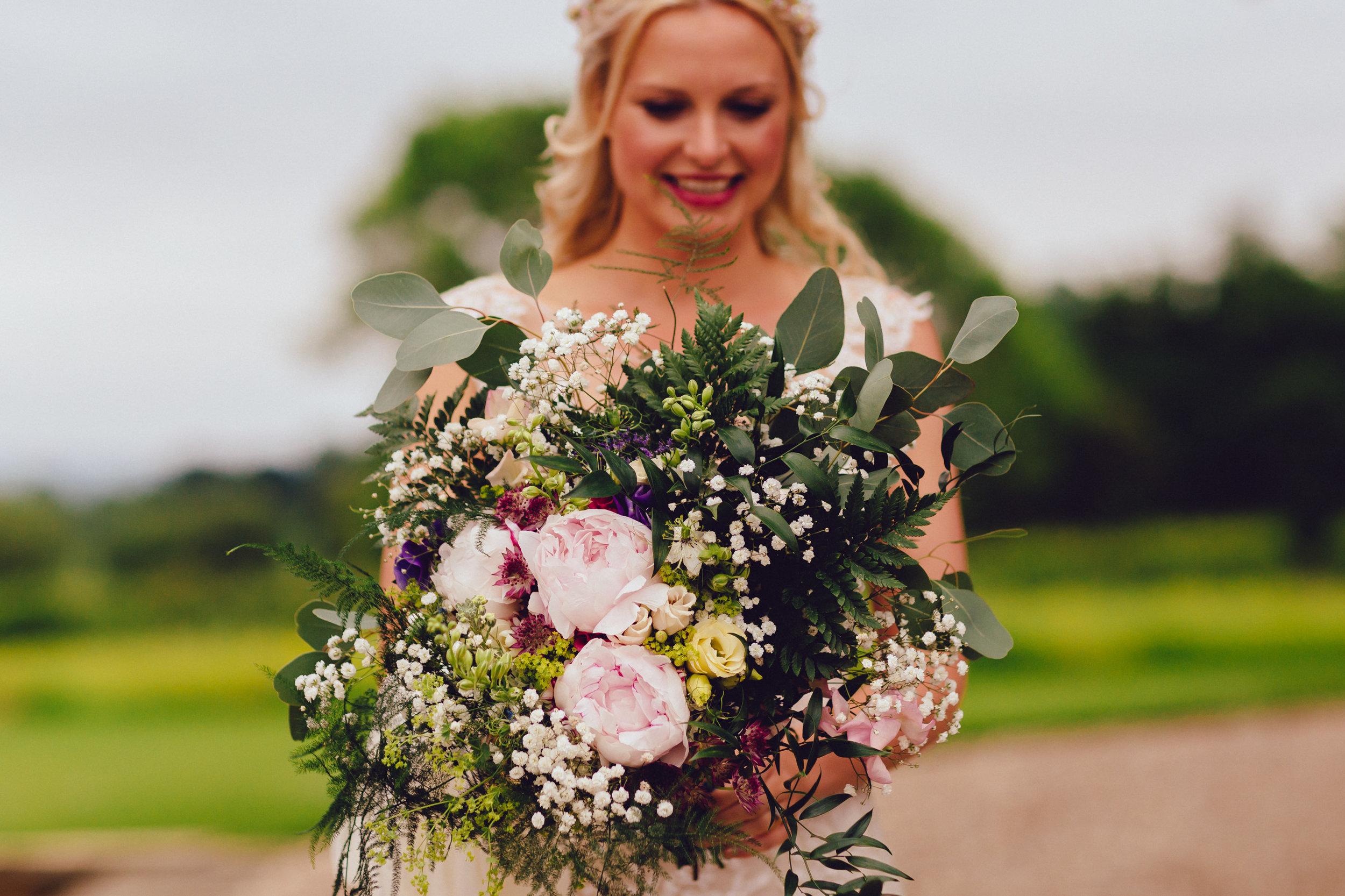Birmingham photographer wedding country artistic wedding photography bride04.jpg