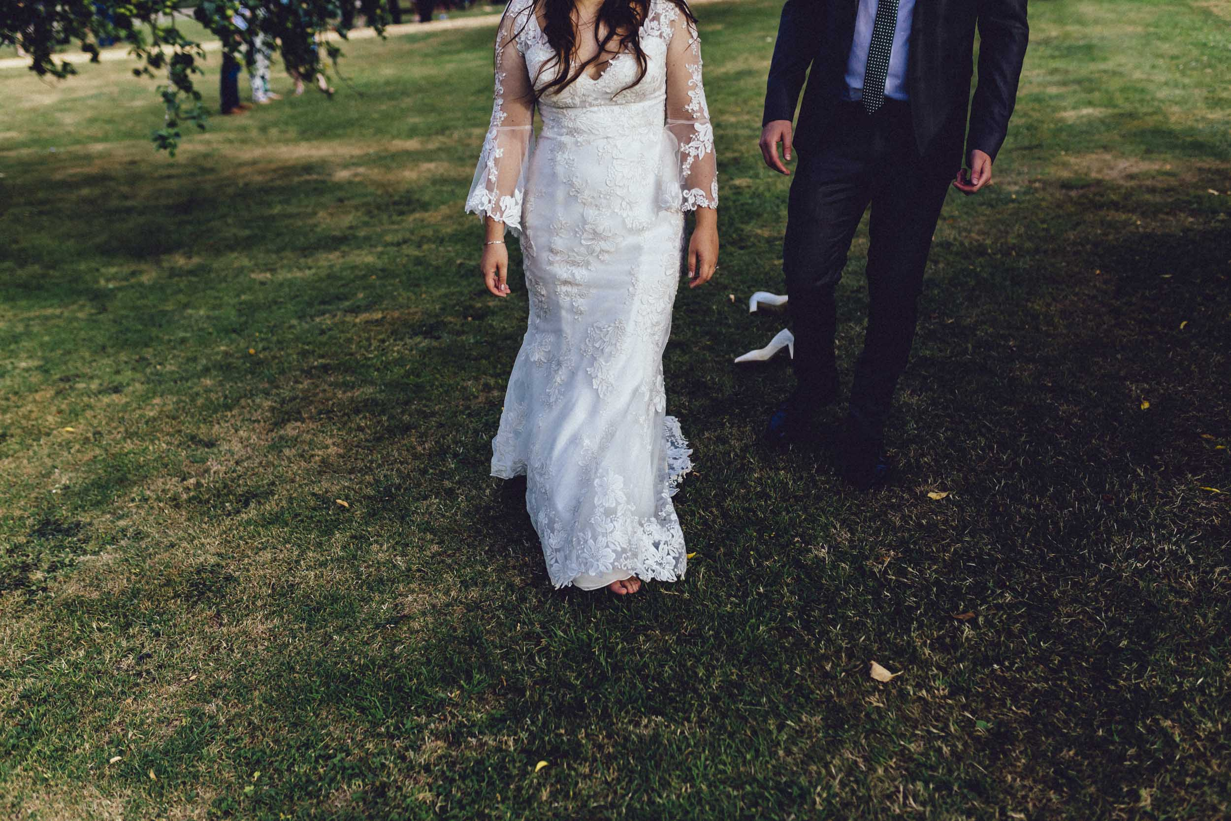 Newton Park Farm Wedding- creative relaxed wedding photography003.jpg