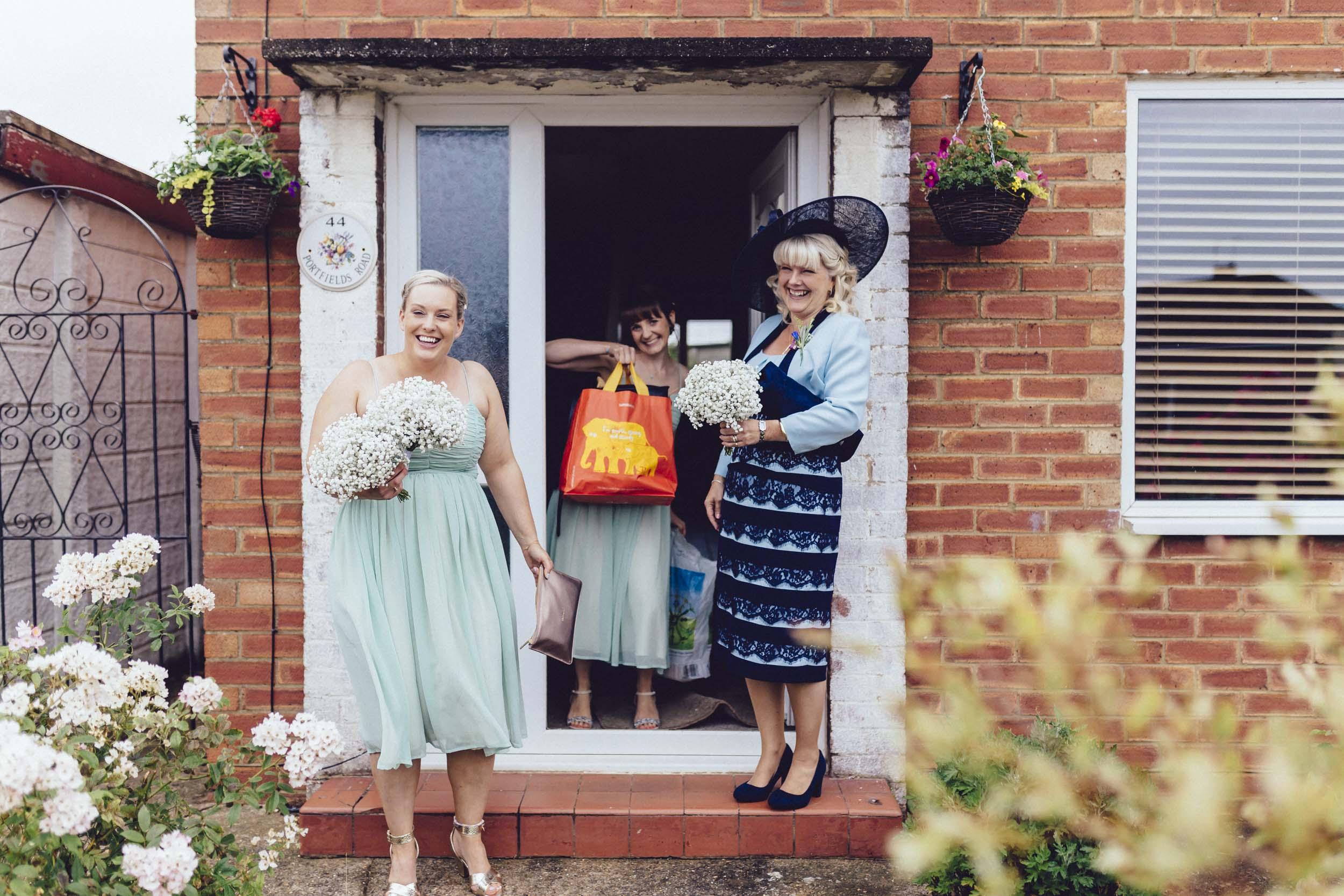Newton Park Farm Wedding- creative relaxed wedding photography028.jpg