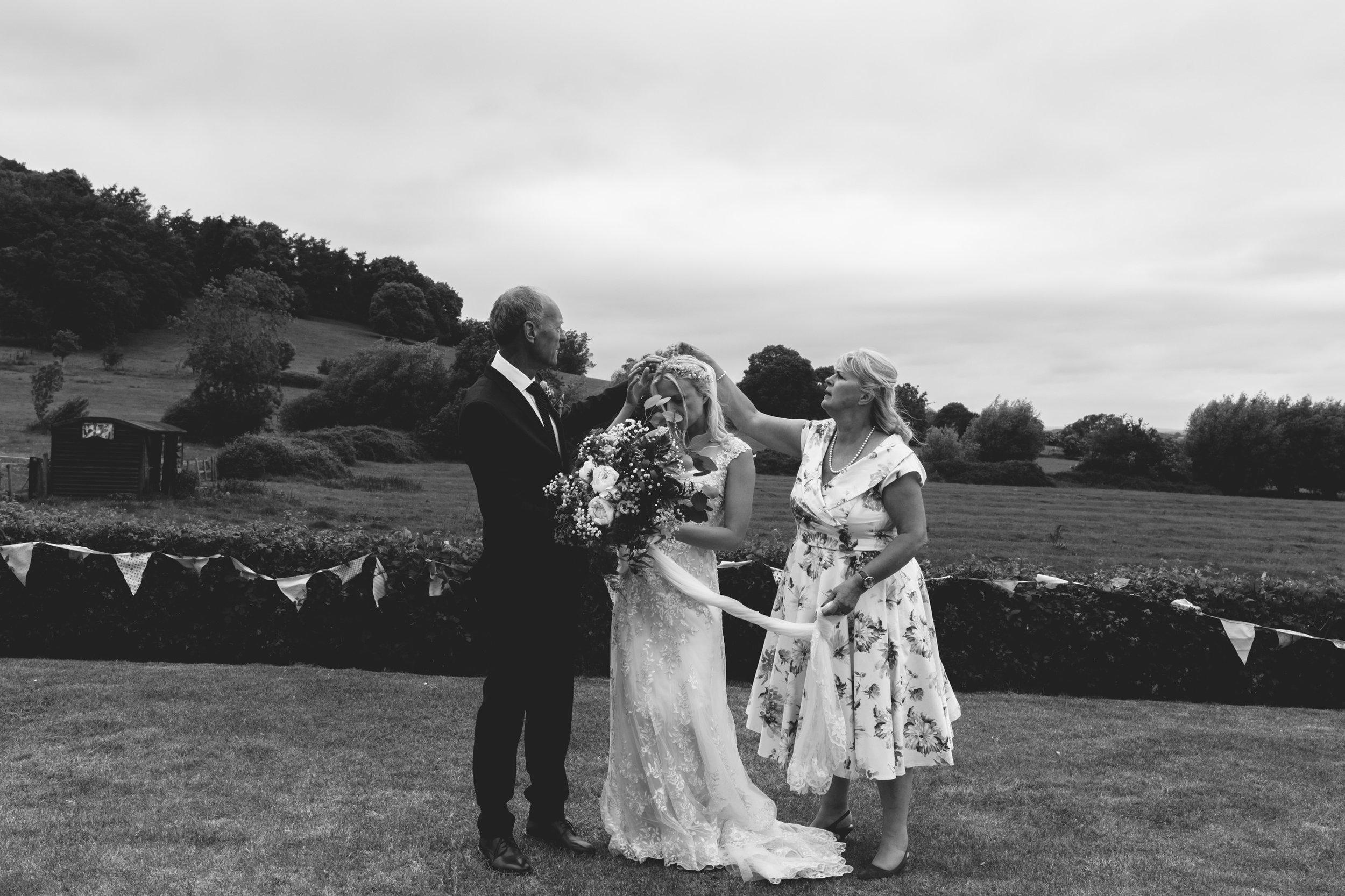 beautiful romantic garden wedding- cotswolds-036.jpg