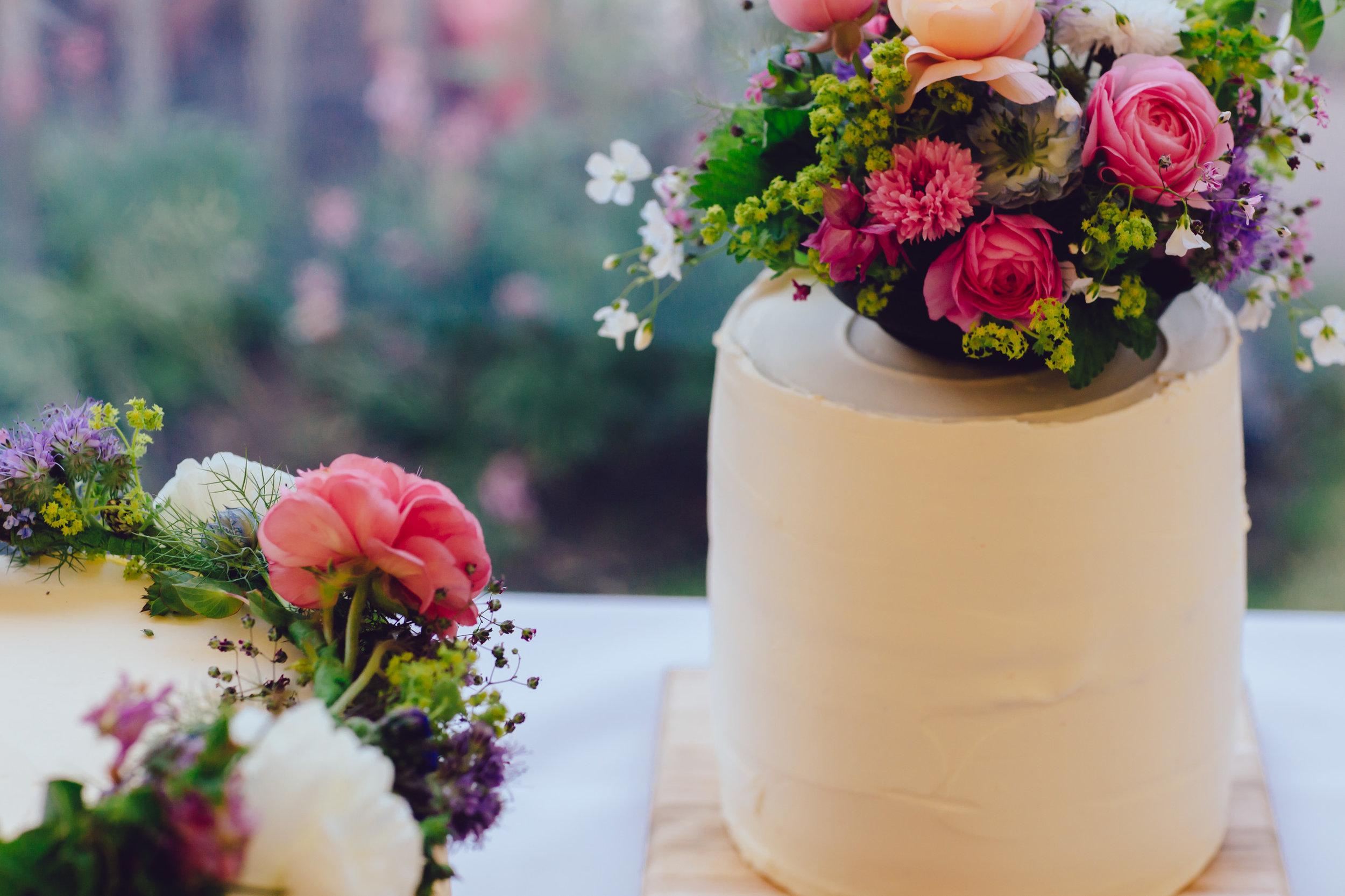 beautiful romantic garden wedding- cotswolds-054.jpg
