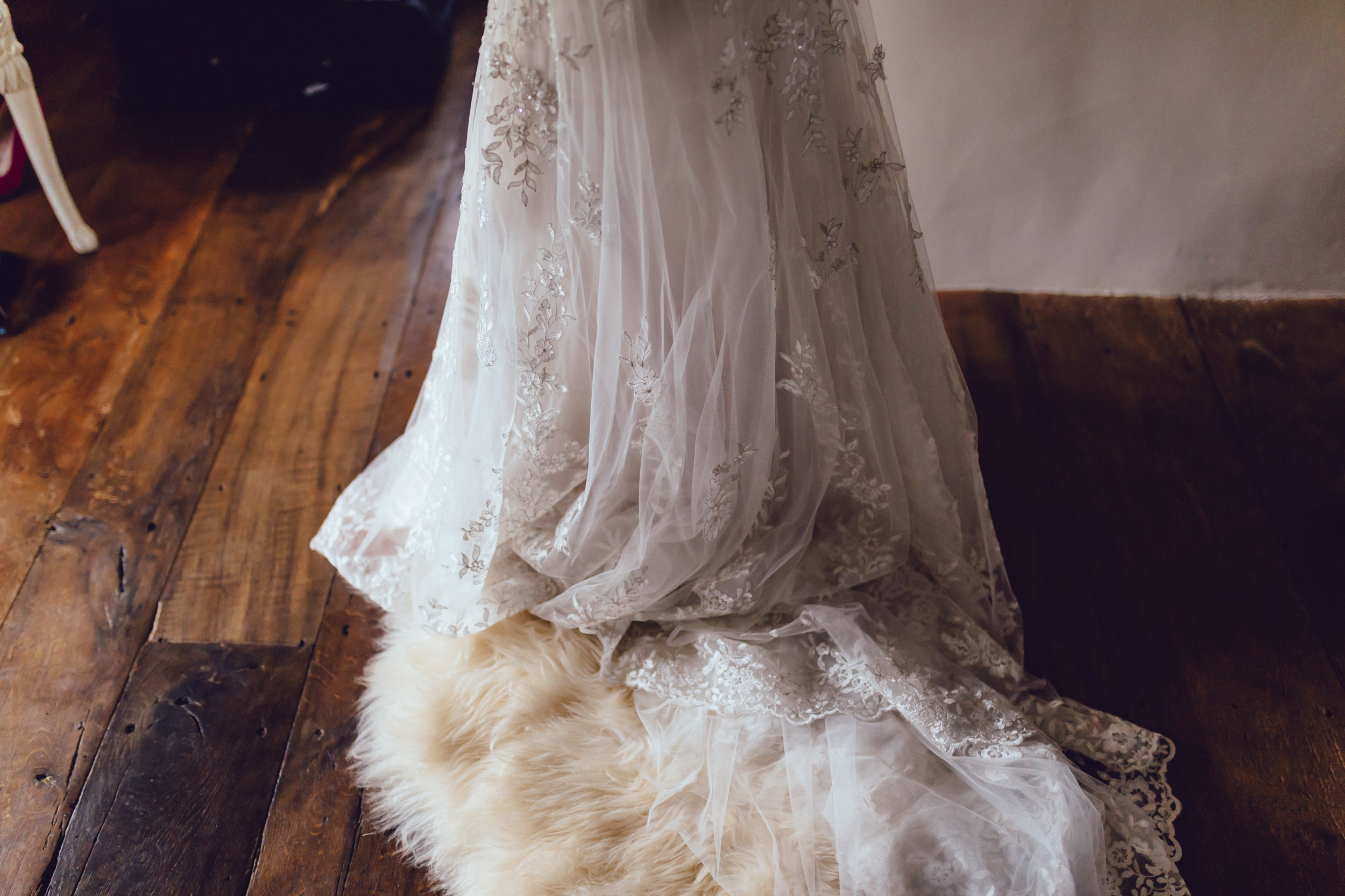 beautiful romantic garden wedding- cotswolds-100.jpg