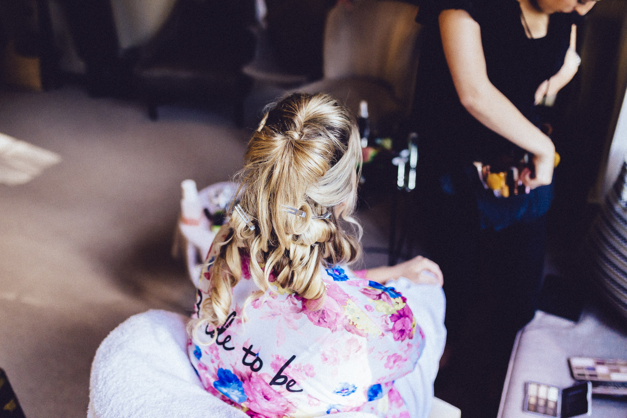 vibrant relaxed vibrant cotswold wedding-11.jpg
