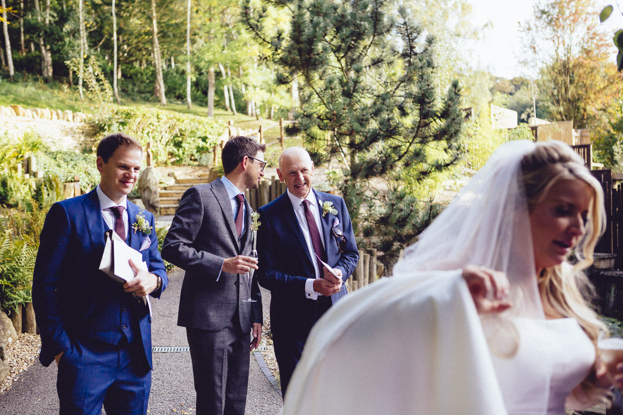 vibrant relaxed vibrant cotswold wedding-72.jpg