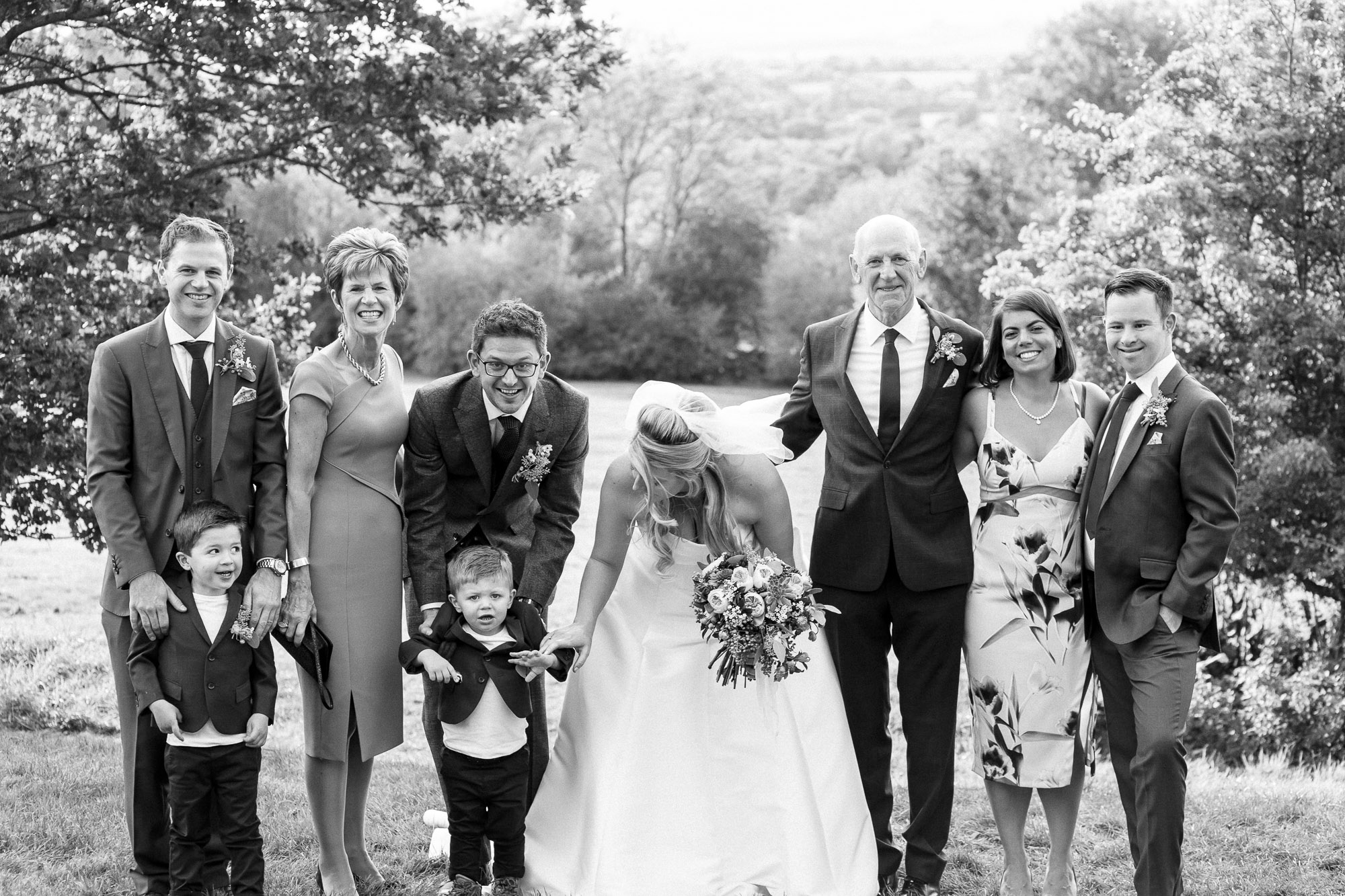 vibrant relaxed vibrant cotswold wedding-81.jpg