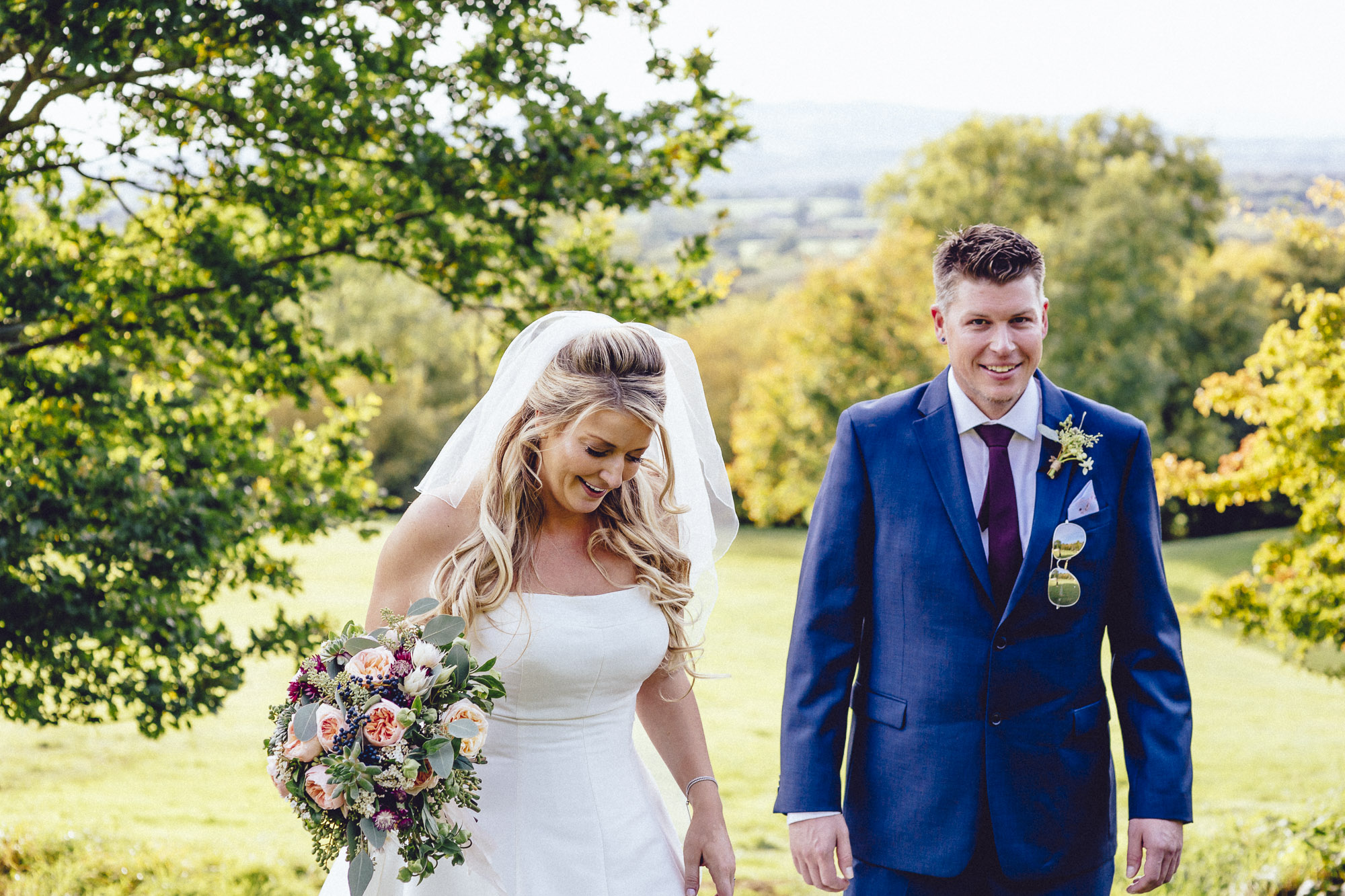 vibrant relaxed vibrant cotswold wedding-86.jpg