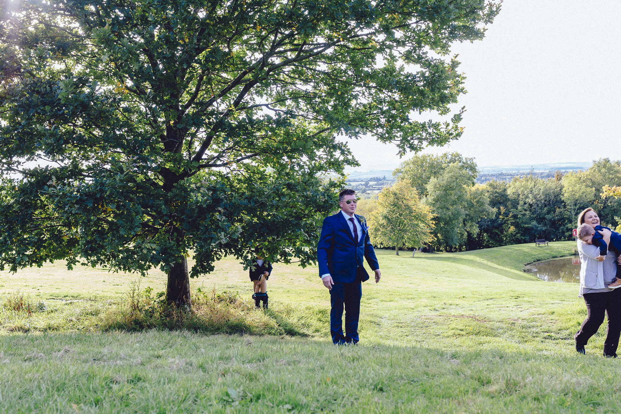 vibrant relaxed vibrant cotswold wedding-84.jpg